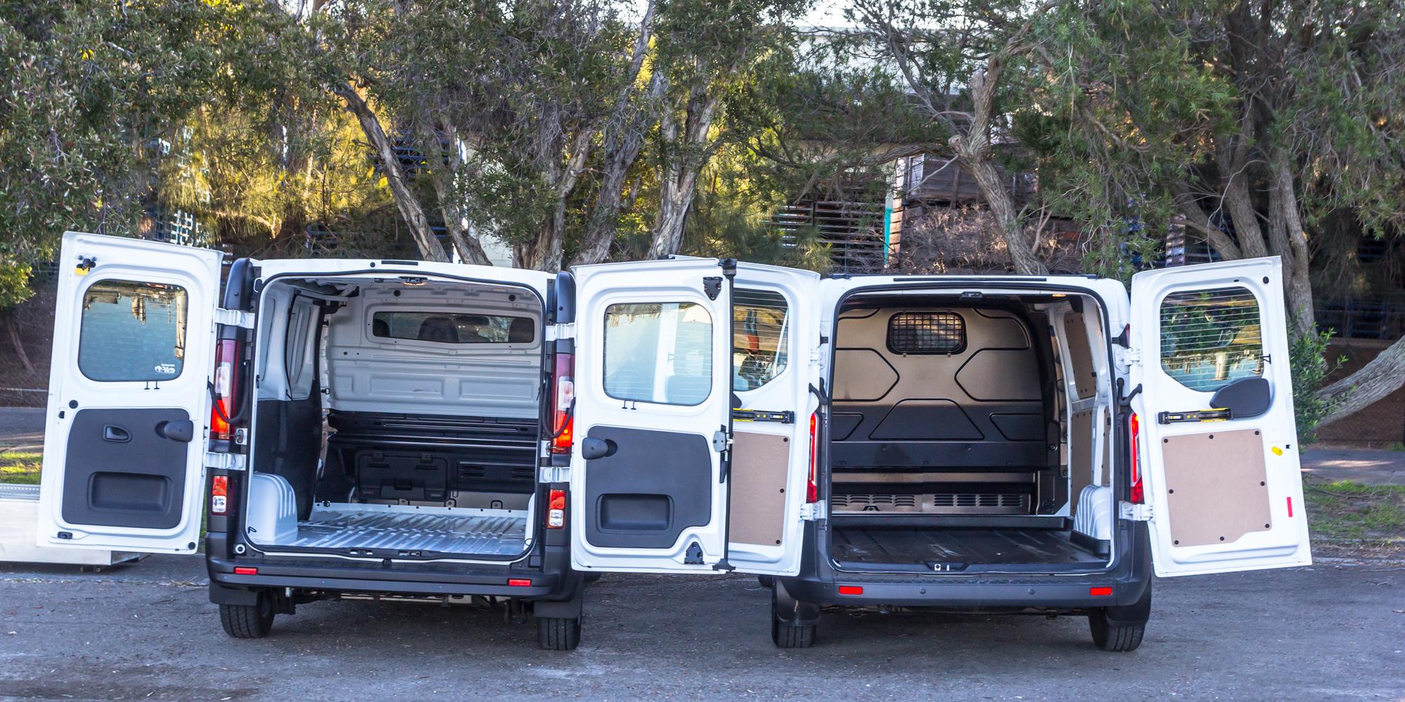 ford transit custom v renault trafic medium van. Black Bedroom Furniture Sets. Home Design Ideas