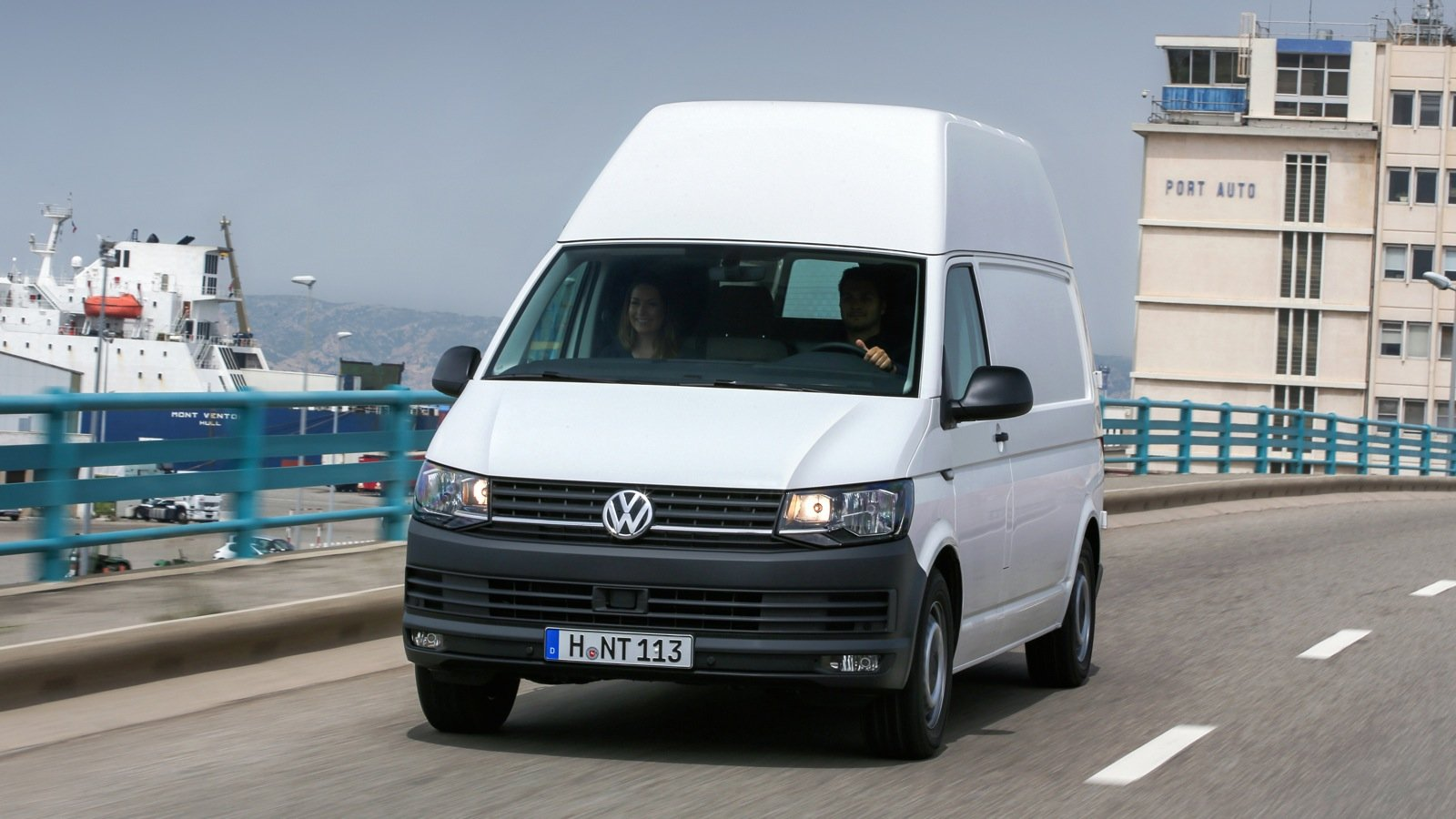 volkswagen transporter t6 review caradvice. Black Bedroom Furniture Sets. Home Design Ideas