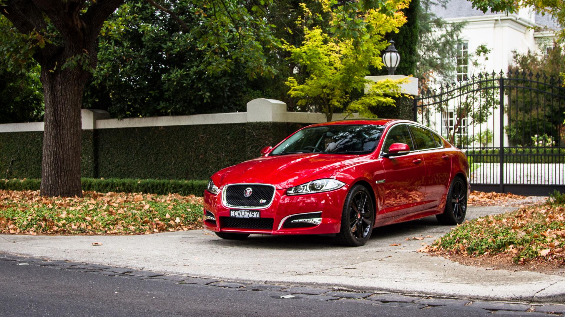 2015 Jaguar XF-S V6 diesel - run out review