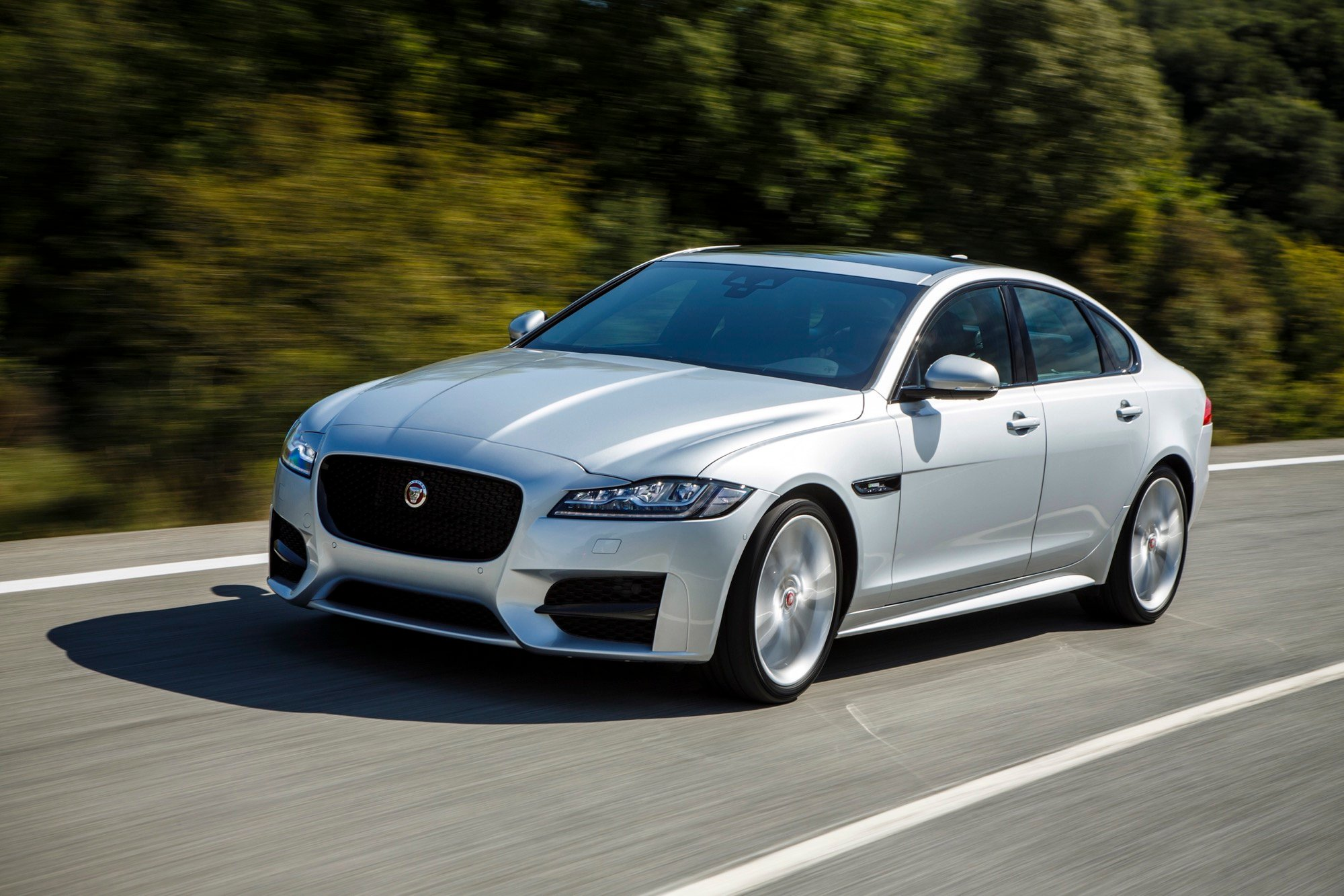 2010 Jaguar XF Expert Reviews Specs and Photos  Carscom