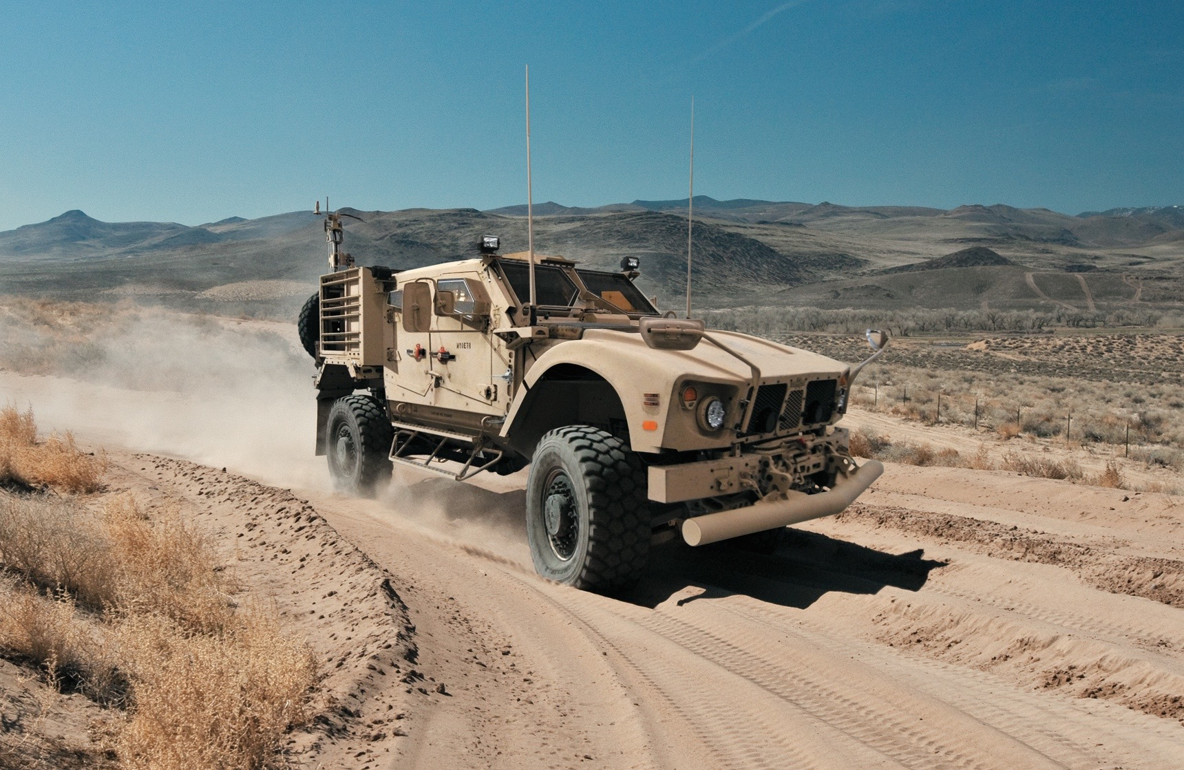 Humvee replacement to use GM's Duramax turbo diesel V8 ...