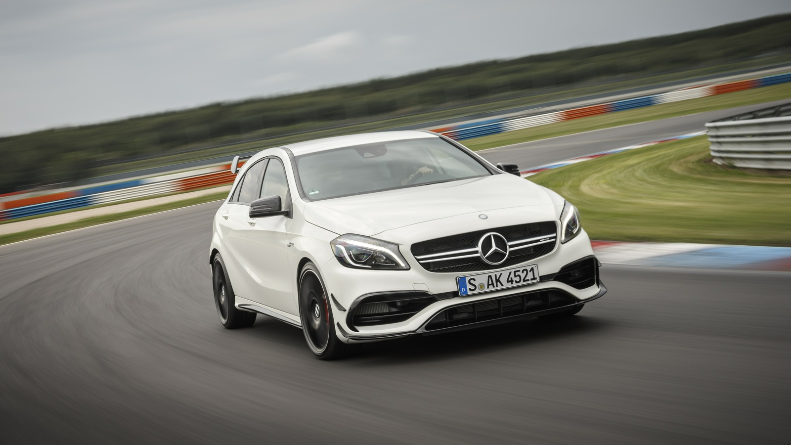 2016 mercedes amg a45 4matic review track test photos caradvice. Black Bedroom Furniture Sets. Home Design Ideas