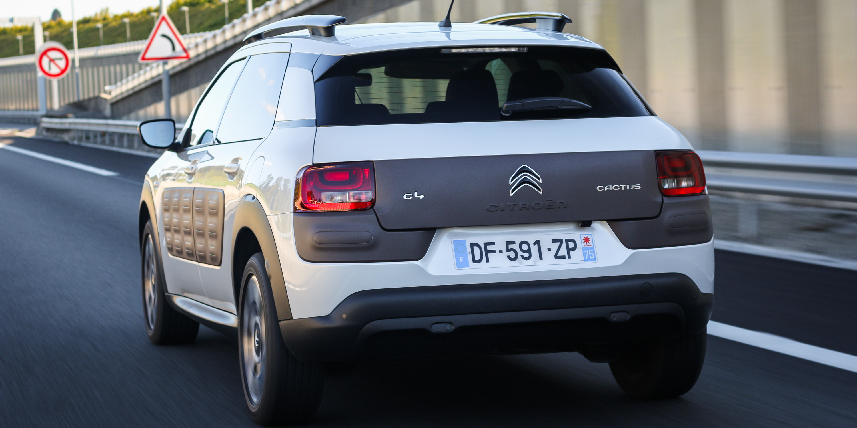 X Trail New Model >> 2016 Citroen C4 Cactus Review - photos | CarAdvice