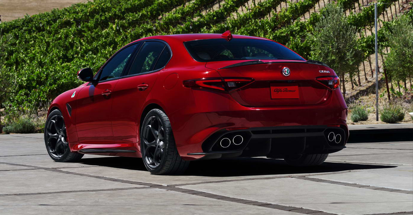 alfa romeo giulia qv priced from 79 000 to 95 000 laps. Black Bedroom Furniture Sets. Home Design Ideas