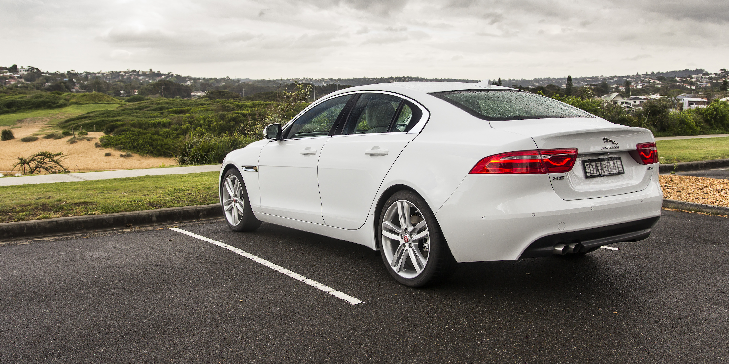 2015 jaguar xe 20d prestige review photos caradvice