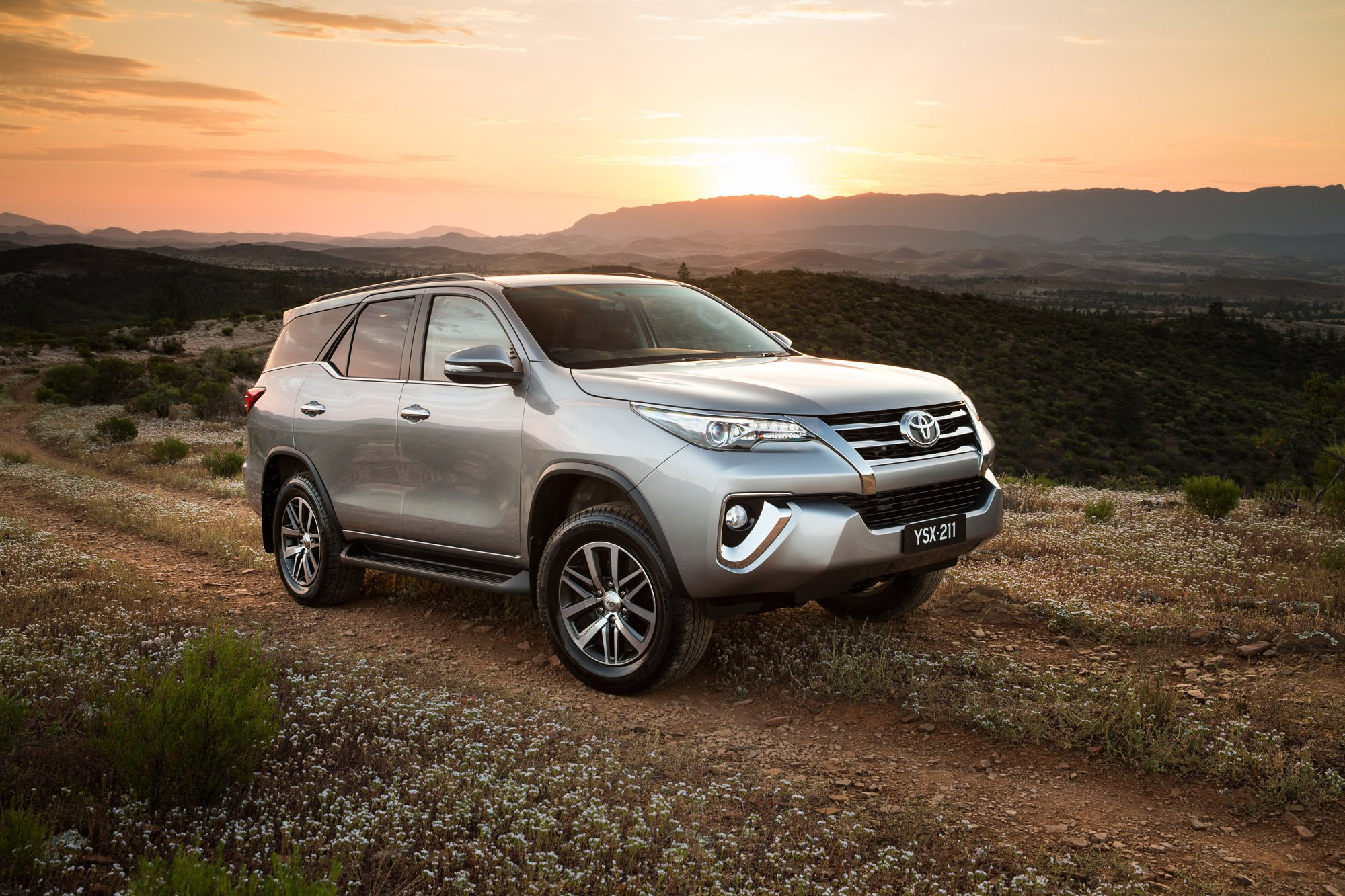 Toyota Fortuner Review - Photos