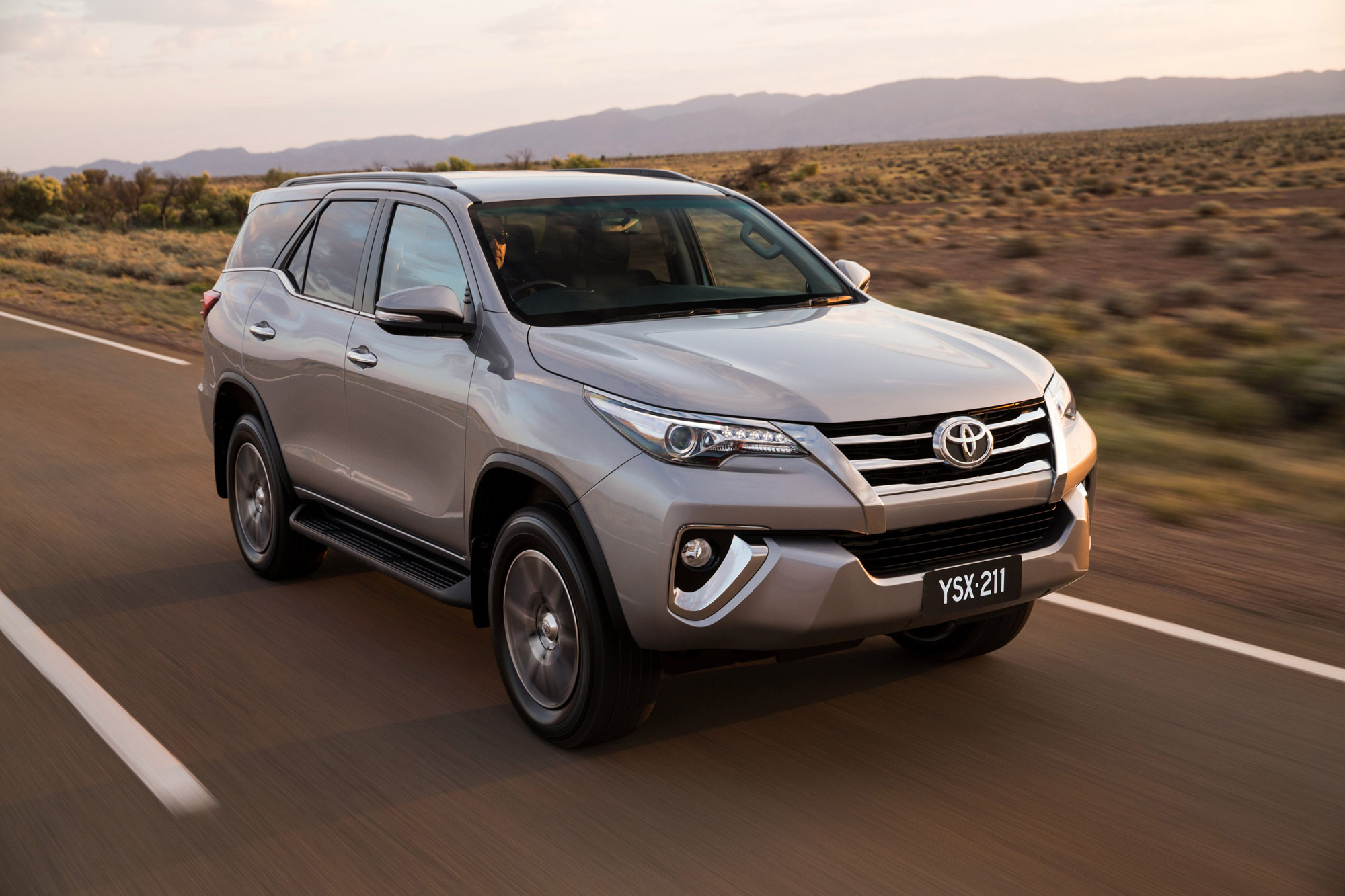 Toyota Fortuner Review - photos | CarAdvice