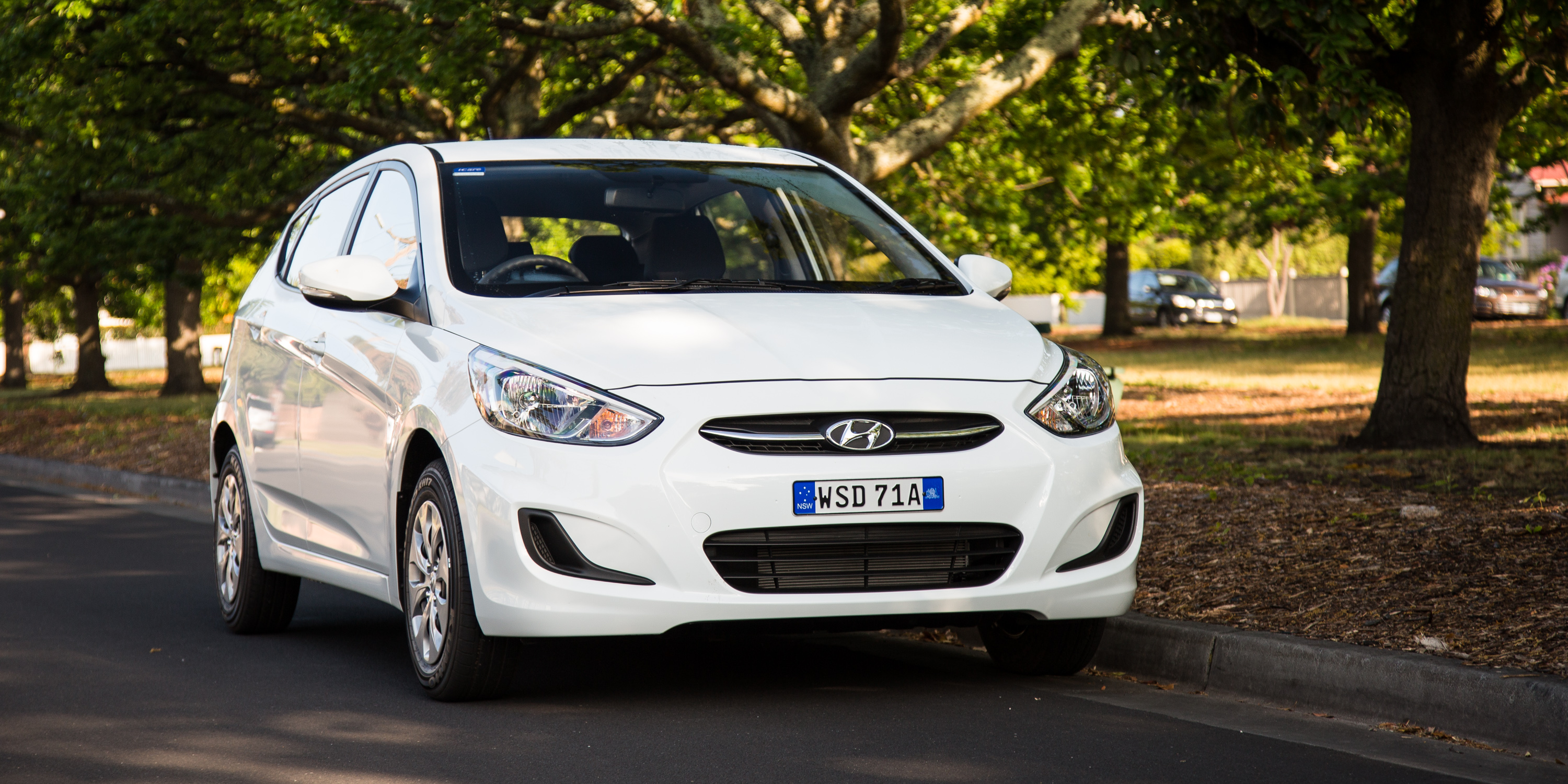 2016 hyundai accent active review caradvice. Black Bedroom Furniture Sets. Home Design Ideas