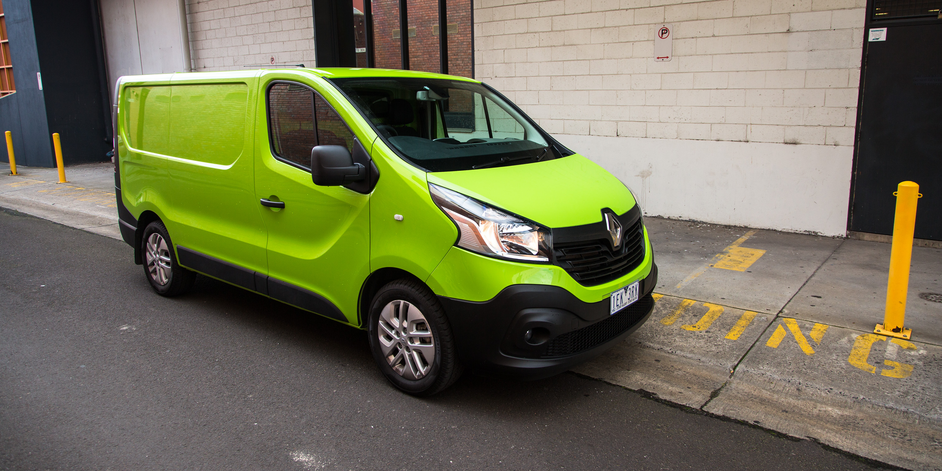 2015 renault trafic l1h1 twin turbo review photos caradvice. Black Bedroom Furniture Sets. Home Design Ideas