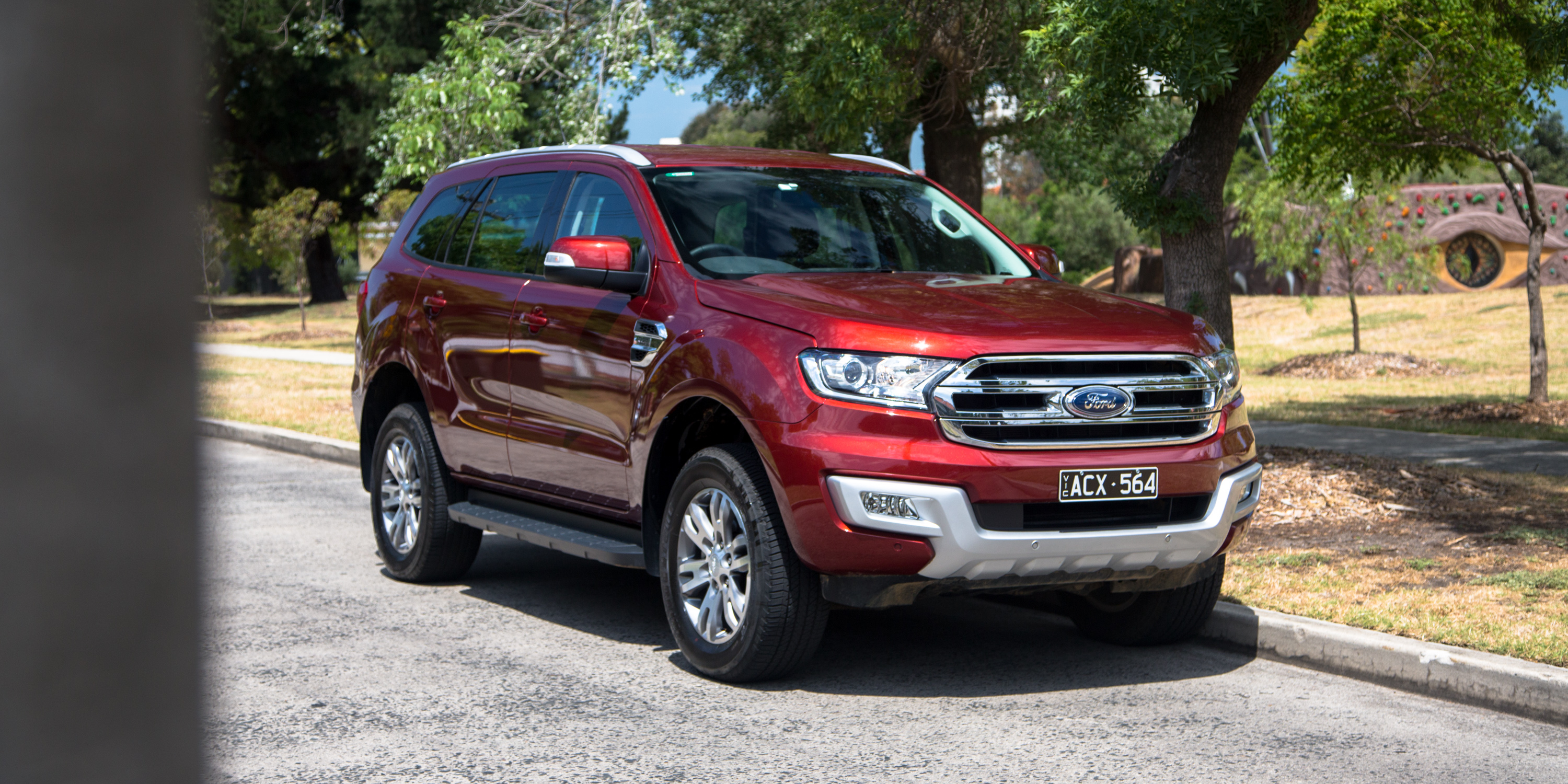 2016 Ford Everest Trend Review - photos | CarAdvice