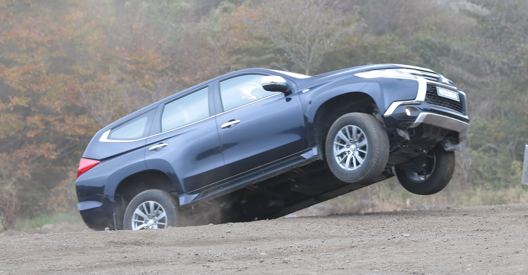 Mitsubishi Pajero Sport Review Quick Drive Photos