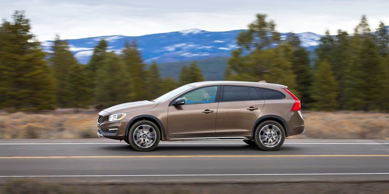 Volvo V60 Cross Country Pricing And Specifications Photos Caradvice