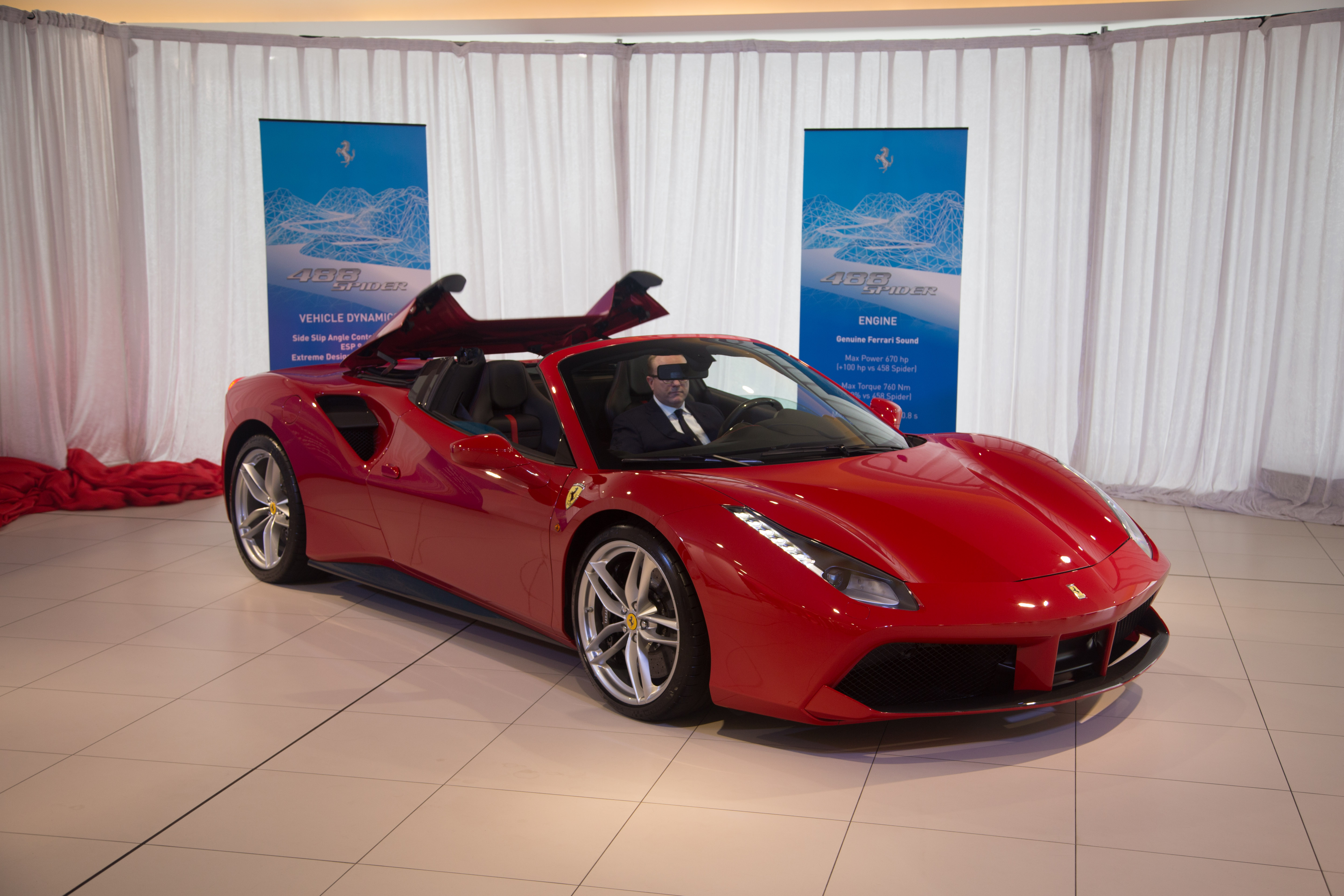 2016 ferrari 488 spider revealed in australia photos 1. Black Bedroom Furniture Sets. Home Design Ideas