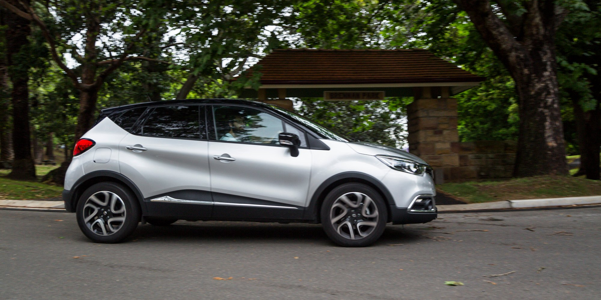 2015 Rav4 Cargo Dimensions >> 2016 Renault Trafic Review Long Term Report One Caradvice | Autos Post