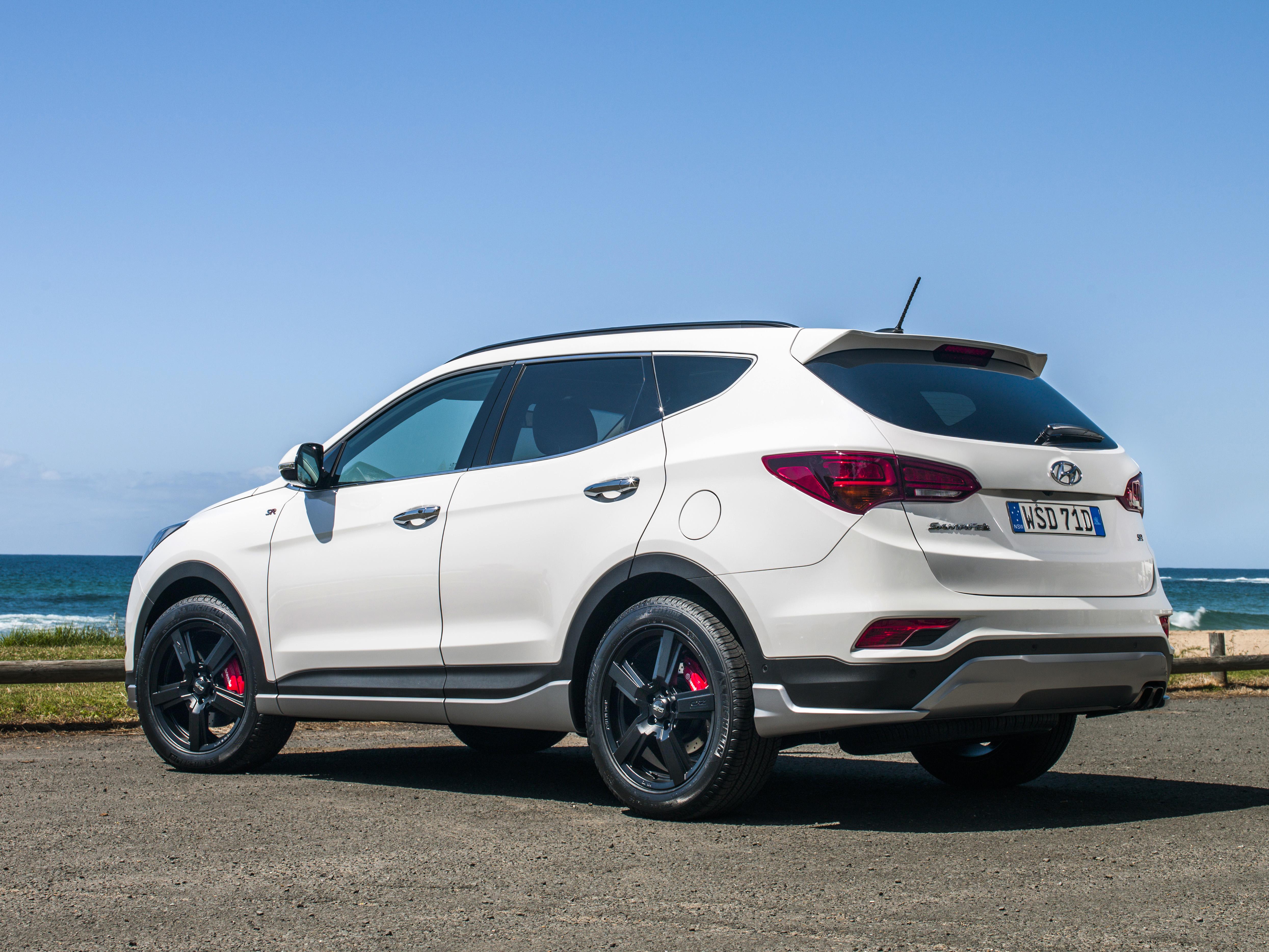 Santa Fe Suv >> 2016 Hyundai Santa Fe Review - photos | CarAdvice