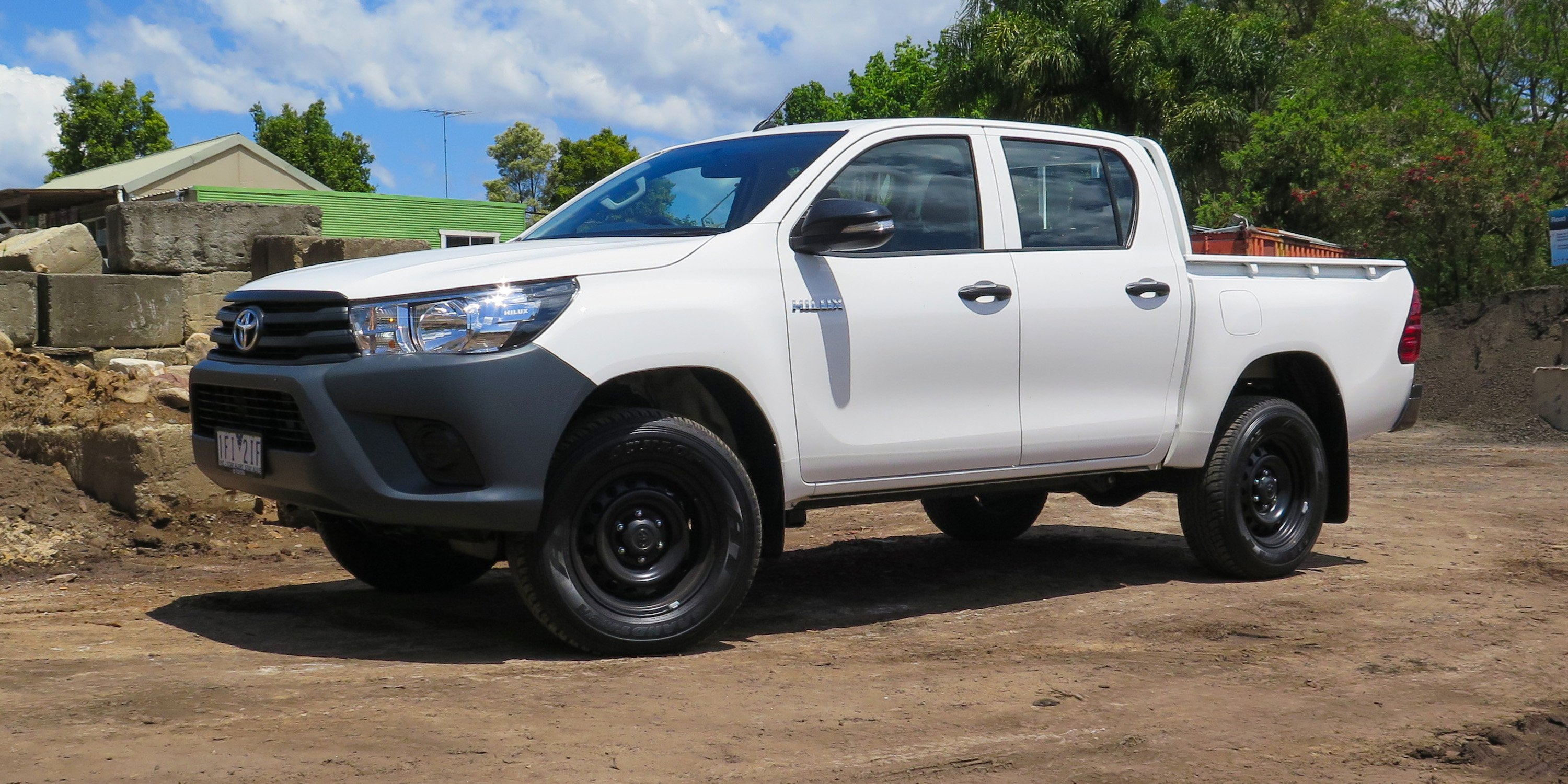 2016 toyota hilux workmate 4x4 review photos caradvice. Black Bedroom Furniture Sets. Home Design Ideas