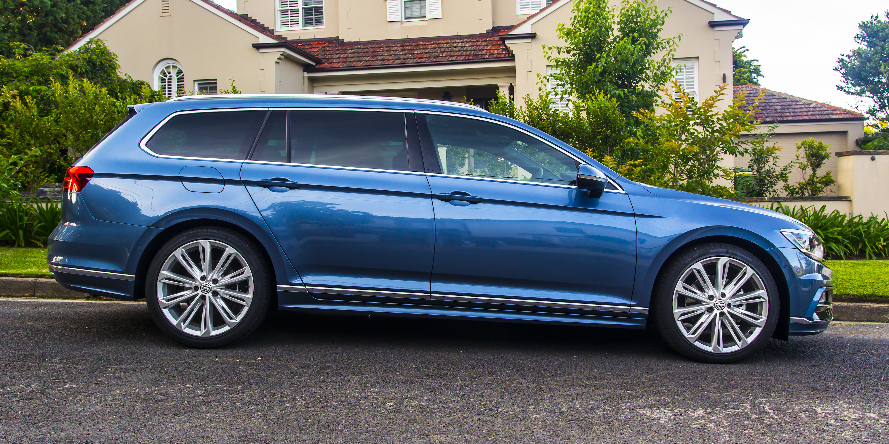 2016 volkswagen passat wagon review 140tdi highline. Black Bedroom Furniture Sets. Home Design Ideas
