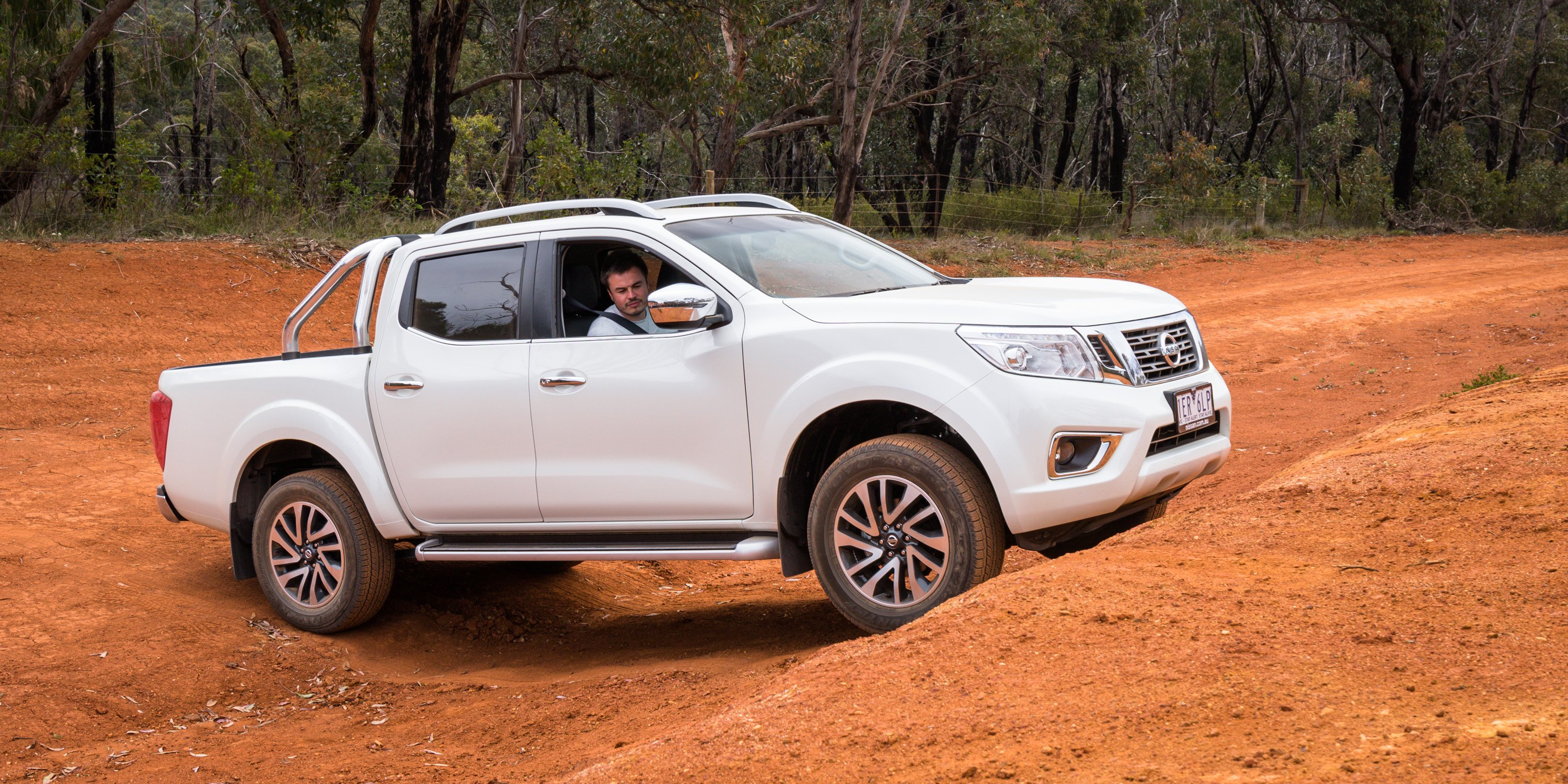 2016 nissan navara st x review caradvice. Black Bedroom Furniture Sets. Home Design Ideas