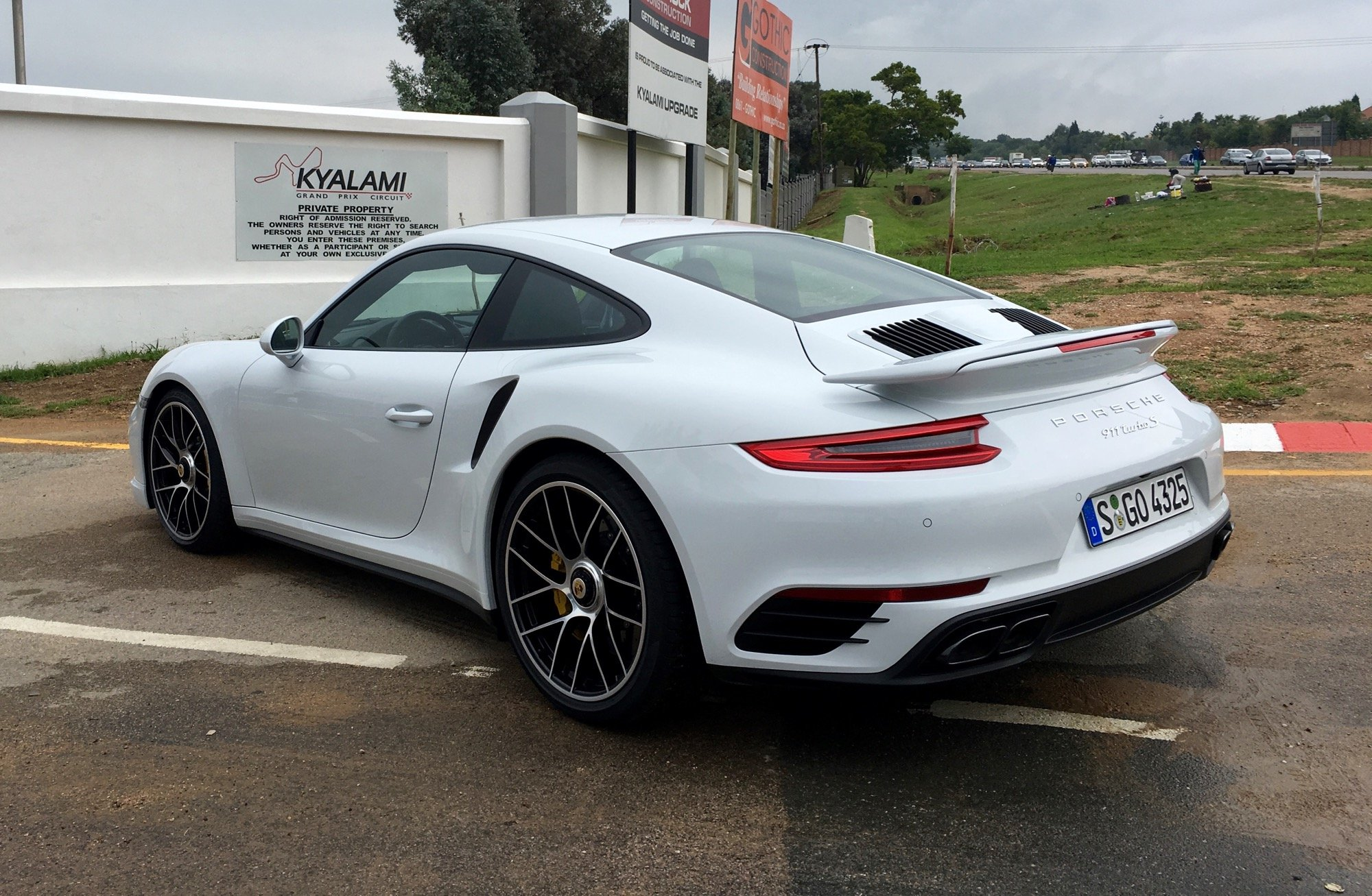 2016 Porsche 911 Turbo and Turbo S Review - photos | CarAdvice