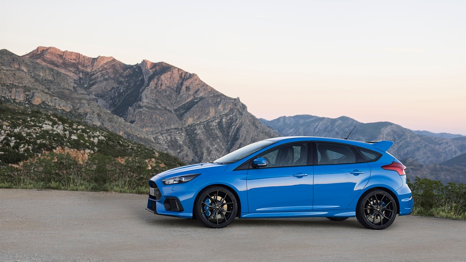 2016 ford focus rs review photos caradvice. Black Bedroom Furniture Sets. Home Design Ideas