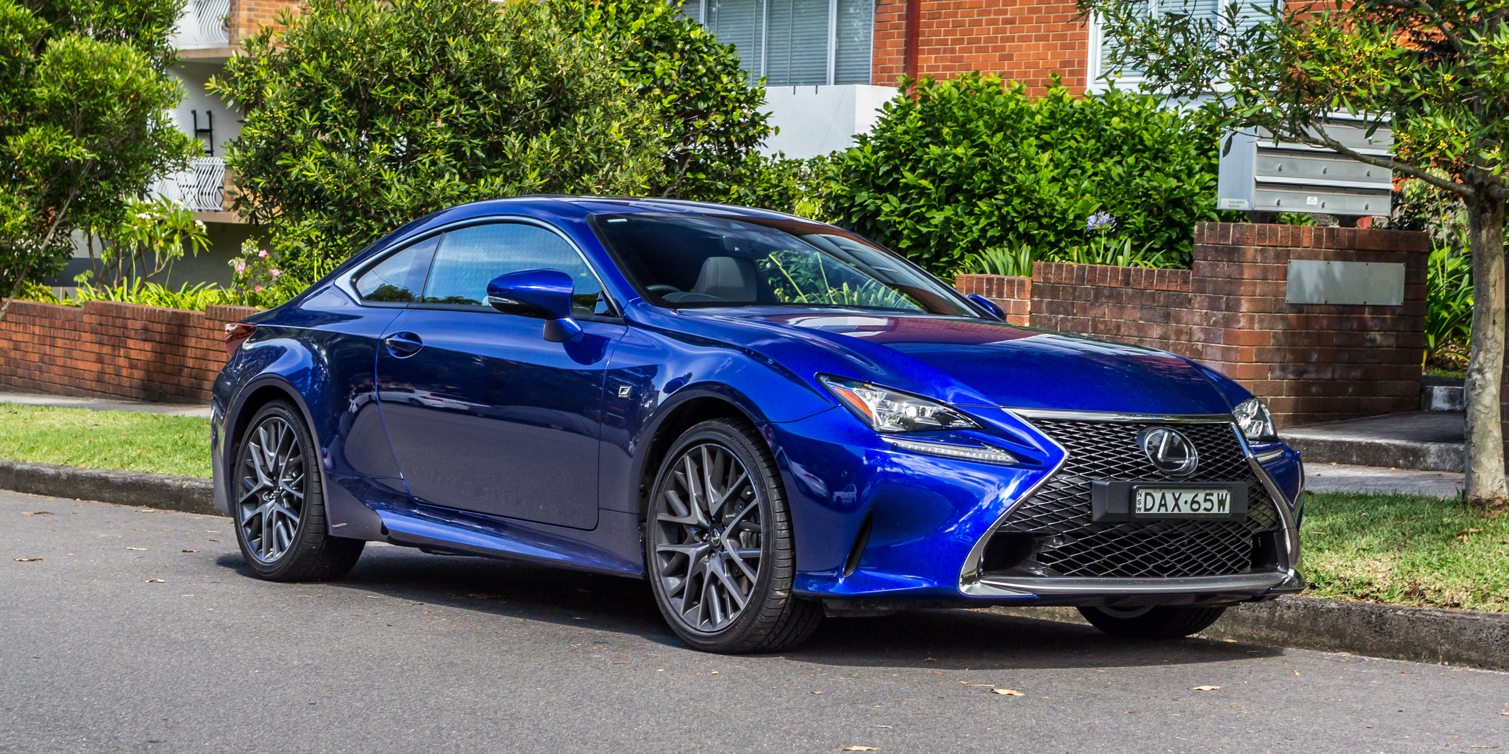 2016 Lexus RC200t F Sport Review - Photos