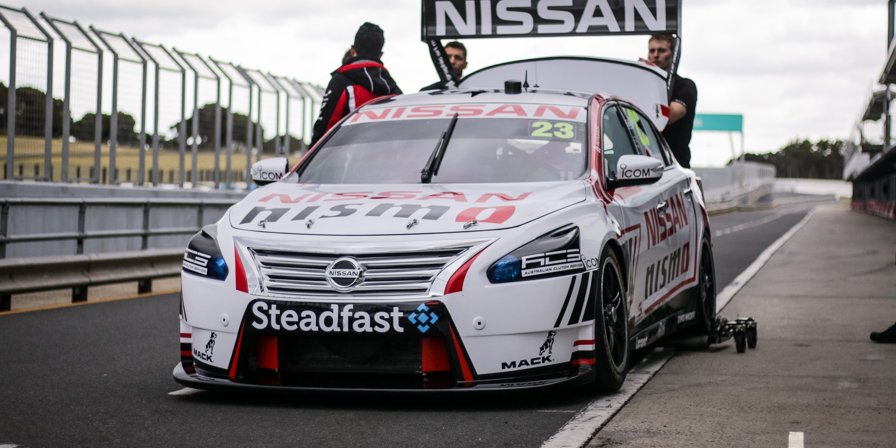 Nissan not in V8 Supercars to sell Altima, racing fans ...