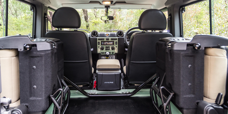 2016 Land Rover Defender 90 Review - Photos