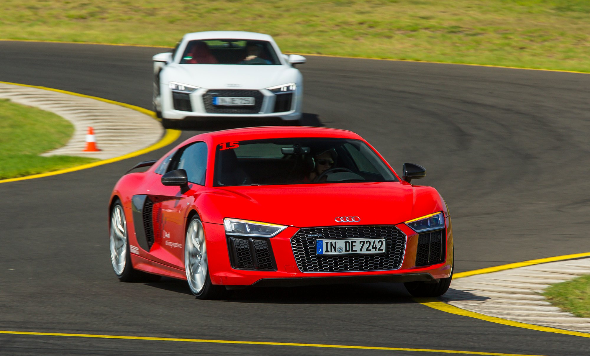 2016 Audi R8 V10, R8 V10 Plus pricing and specifications ...