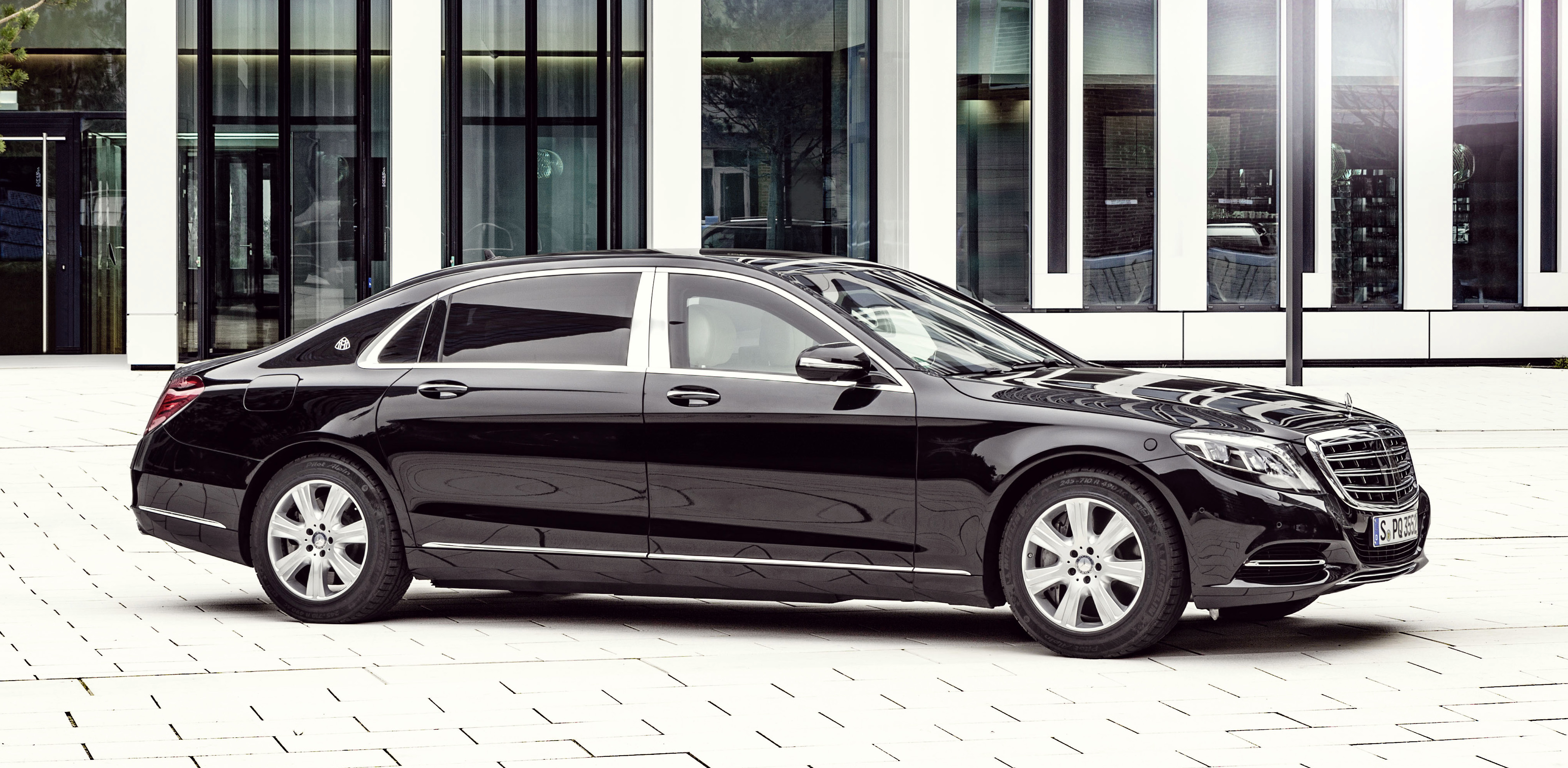 Mercedes-Maybach S600 Guard: Benz lobs bomb-proof limo ...