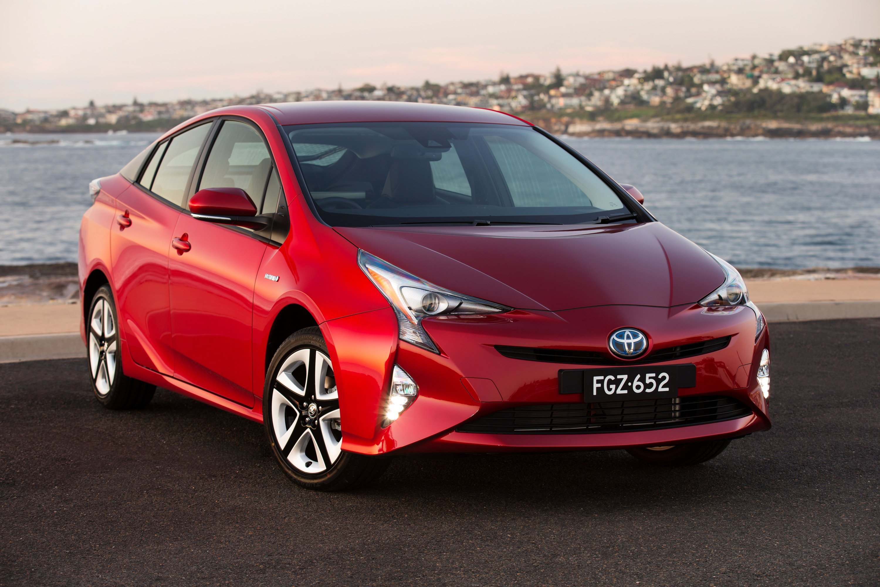 2016 Toyota Prius Pricing And Specifications Photos