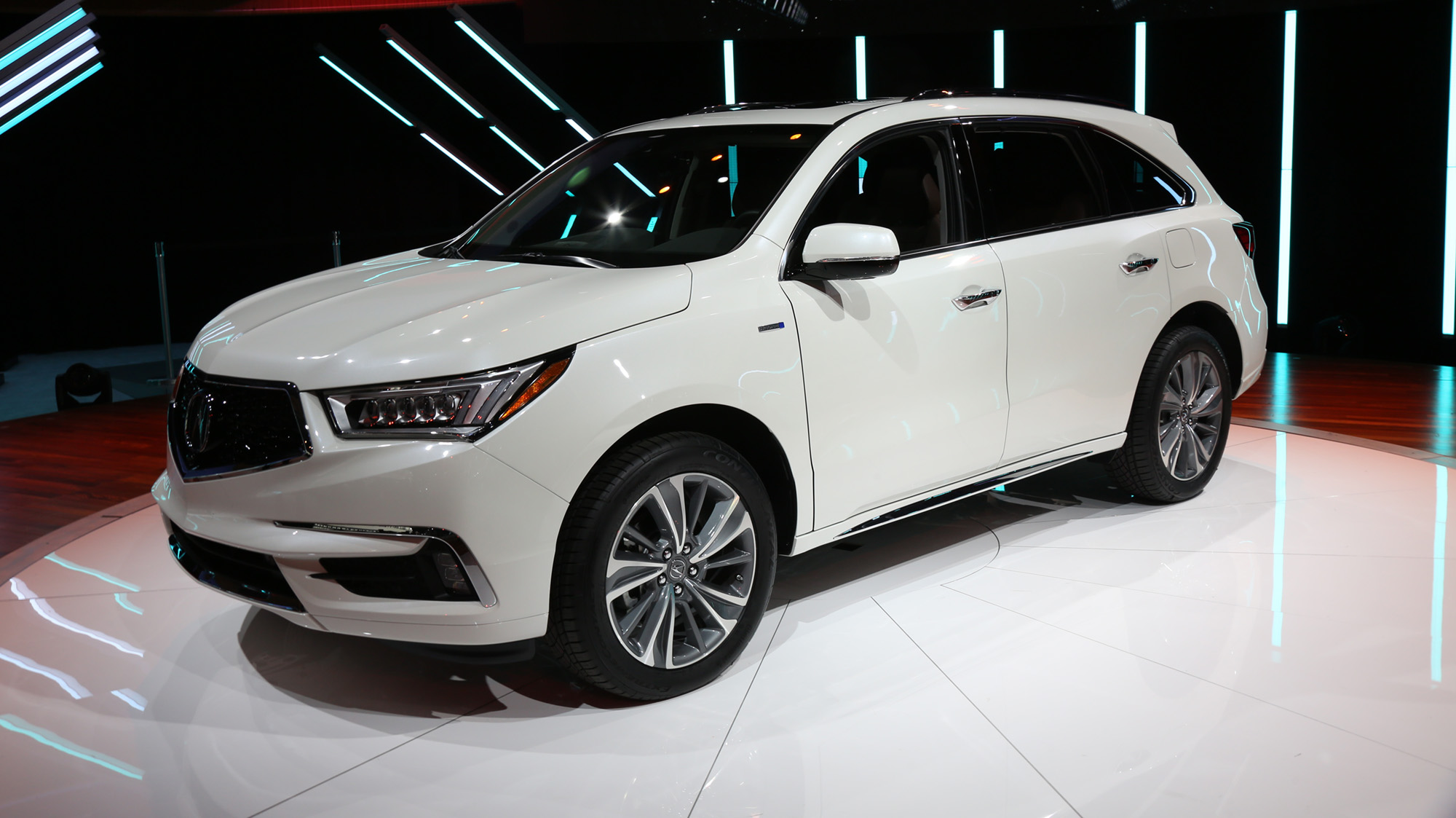 2017 Acura MDX debuts in New York with new brand face - photos | CarAdvice