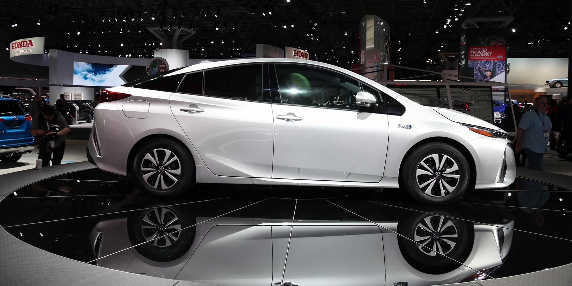 2017 Toyota Prius Prime: plug-in hybrid model revealed at ...