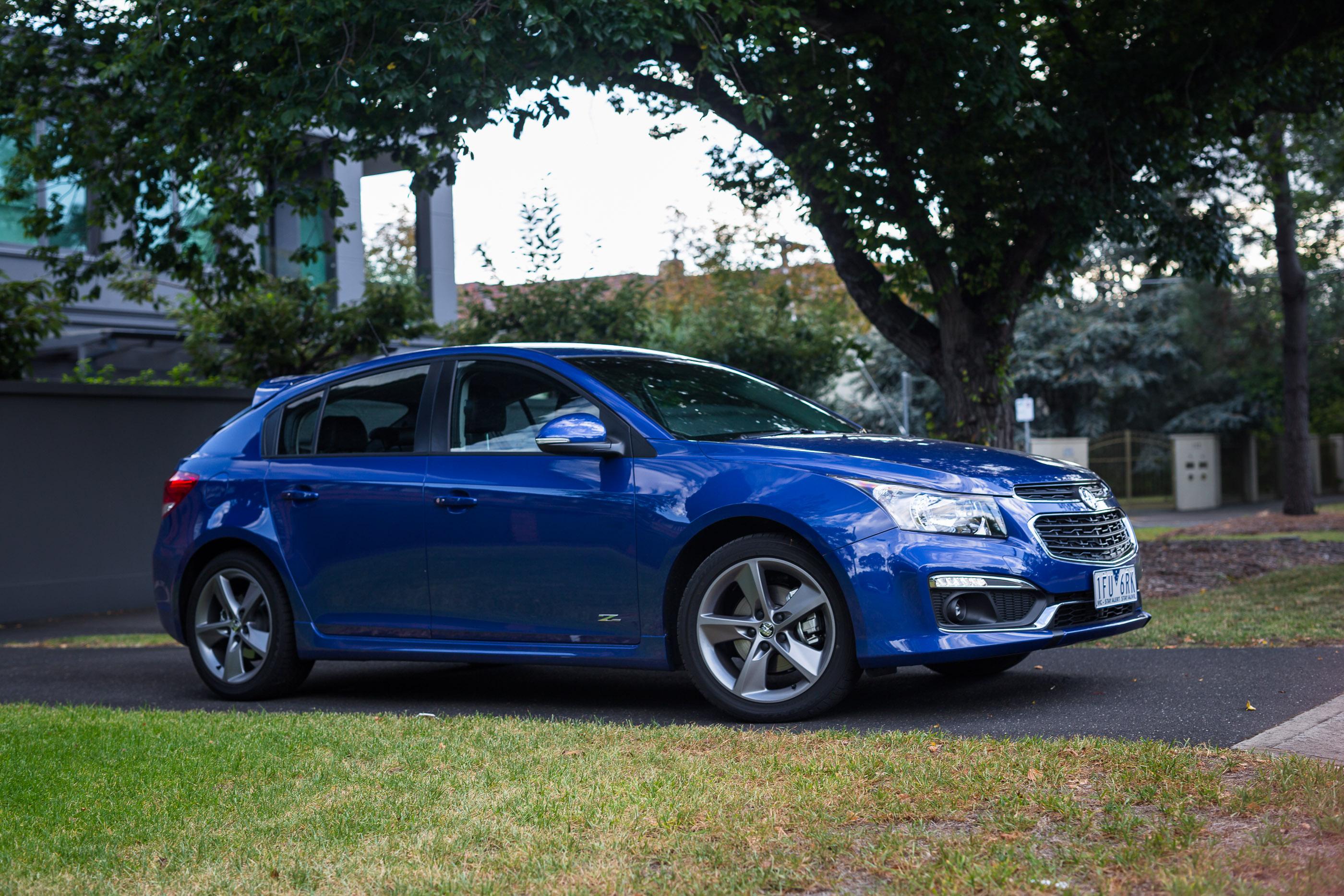 2016 Holden Cruze SRi Z-Series Hatch review - photos ...
