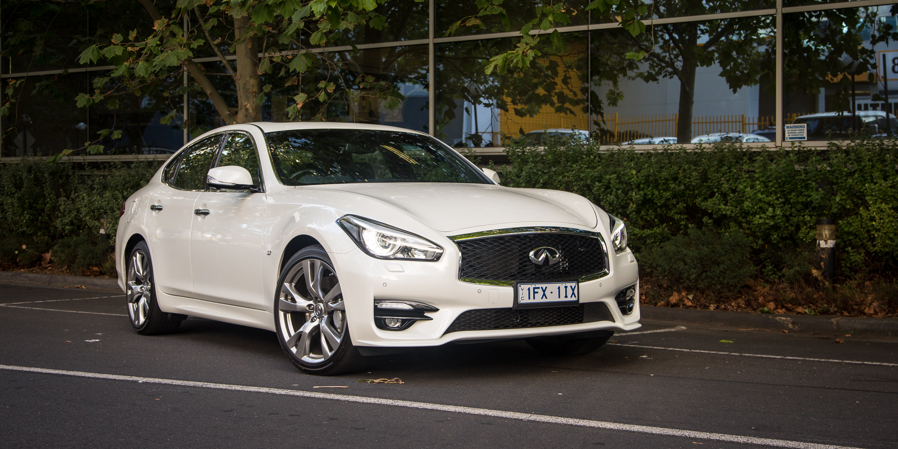2016 Infiniti Q70 S Premium Review - photos | CarAdvice
