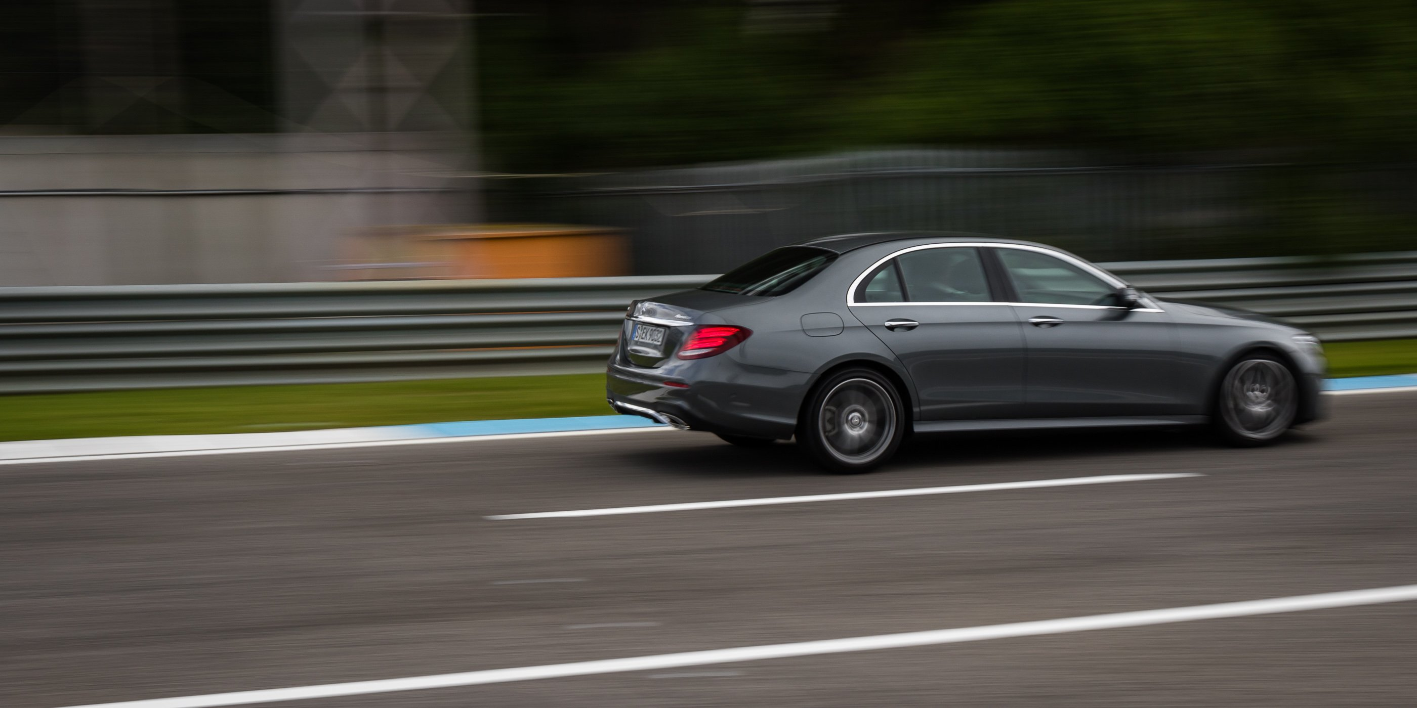 2017 mercedes benz e400 4matic review track test photos