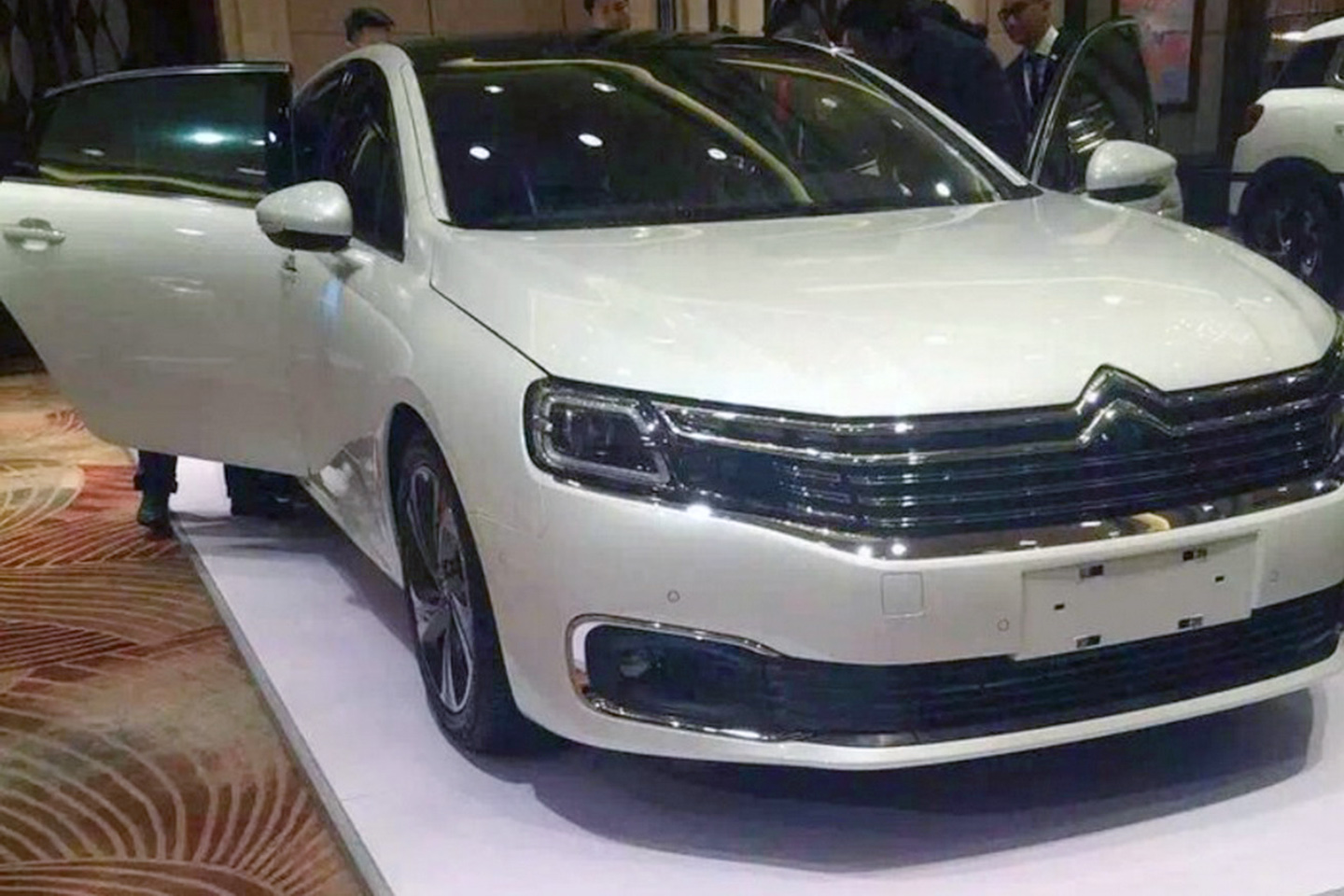 citroen c6 chinaonly flagship revealed ahead of beijing