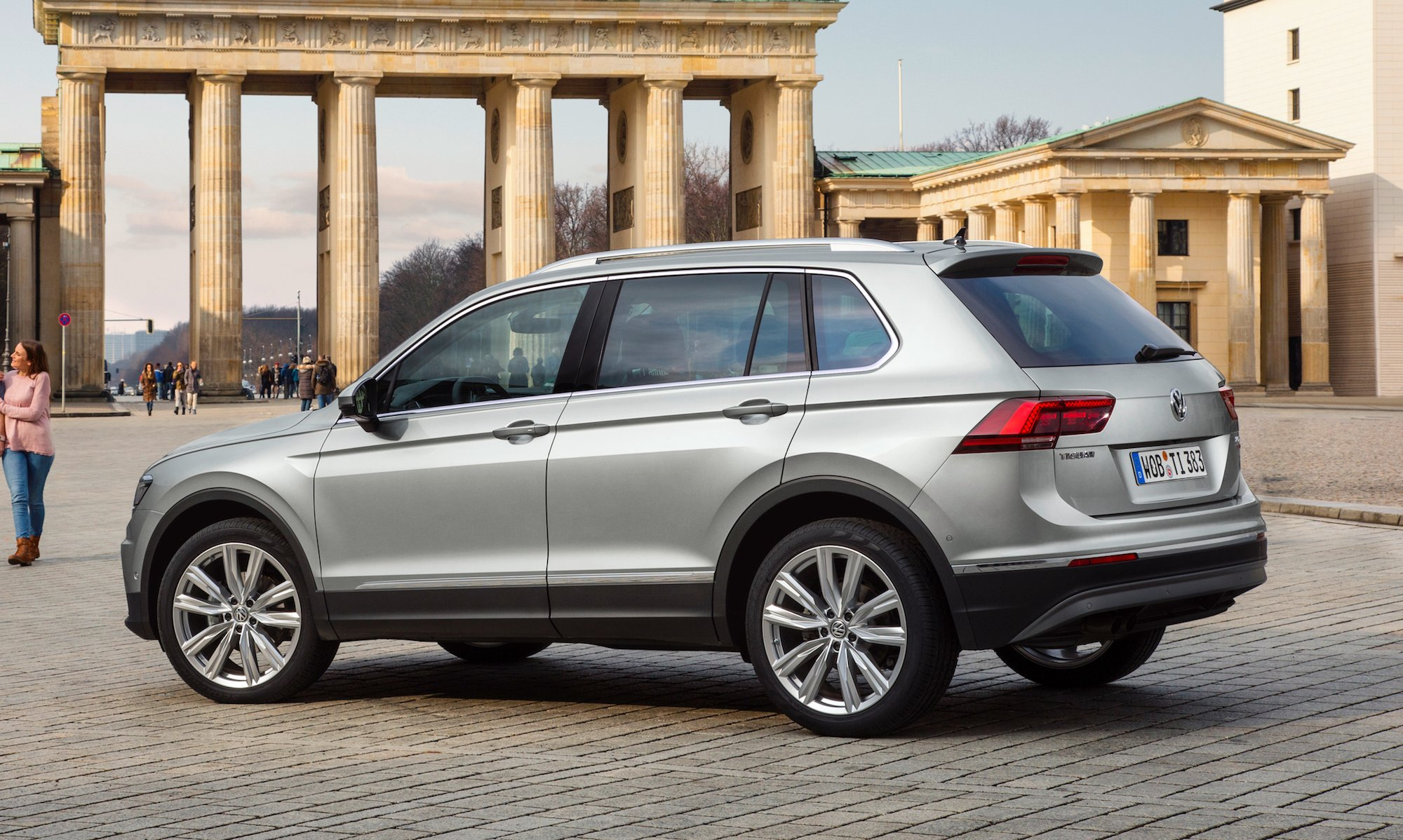 2016 Volkswagen Tiguan Review - photos | CarAdvice