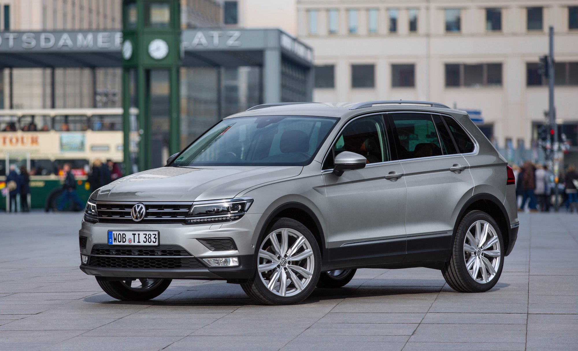 2016 Volkswagen Tiguan Review - Photos