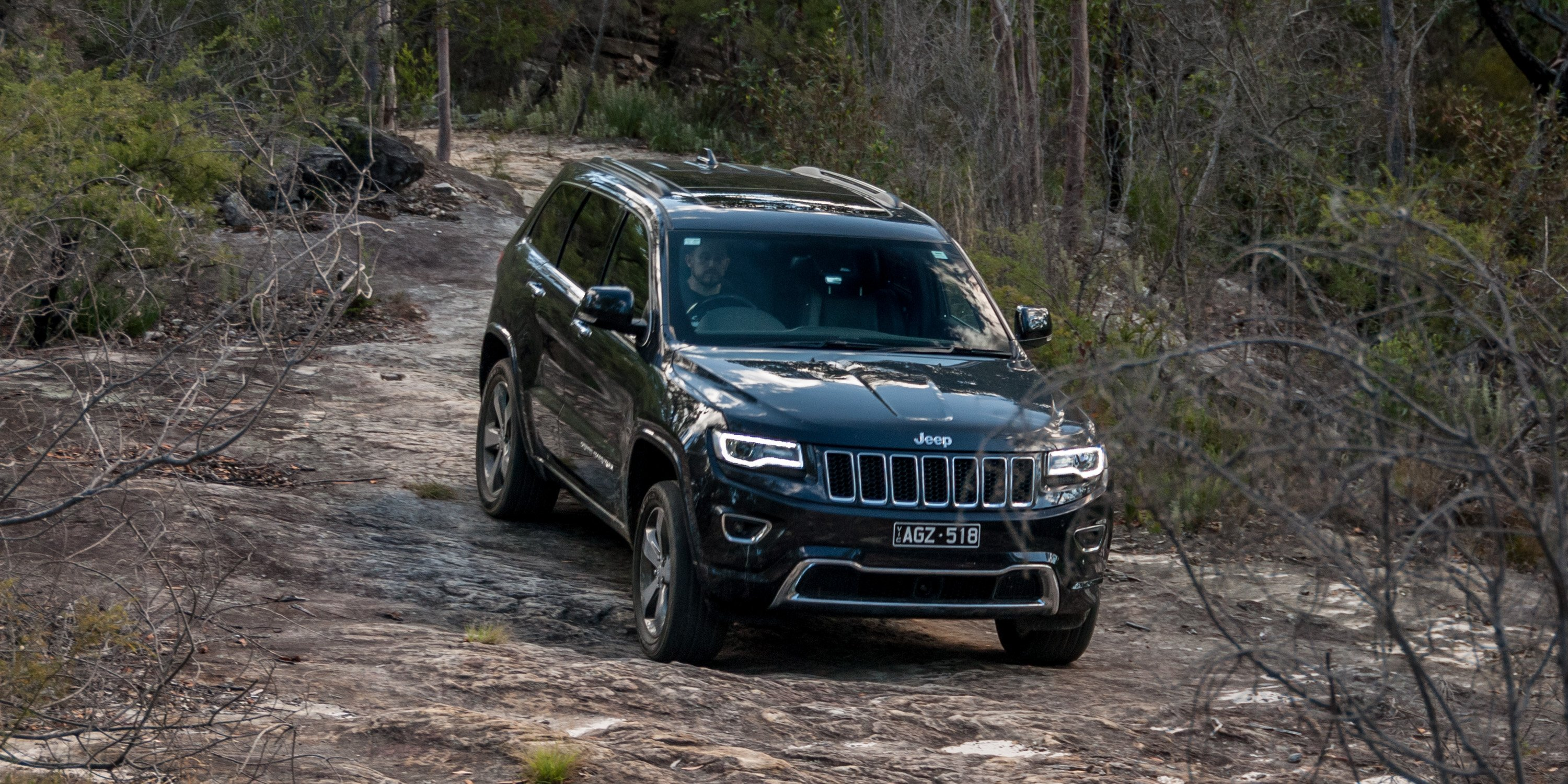 Jeep Grand Cherokee Overland >> 2016 Jeep Grand Cherokee Overland Review - photos | CarAdvice