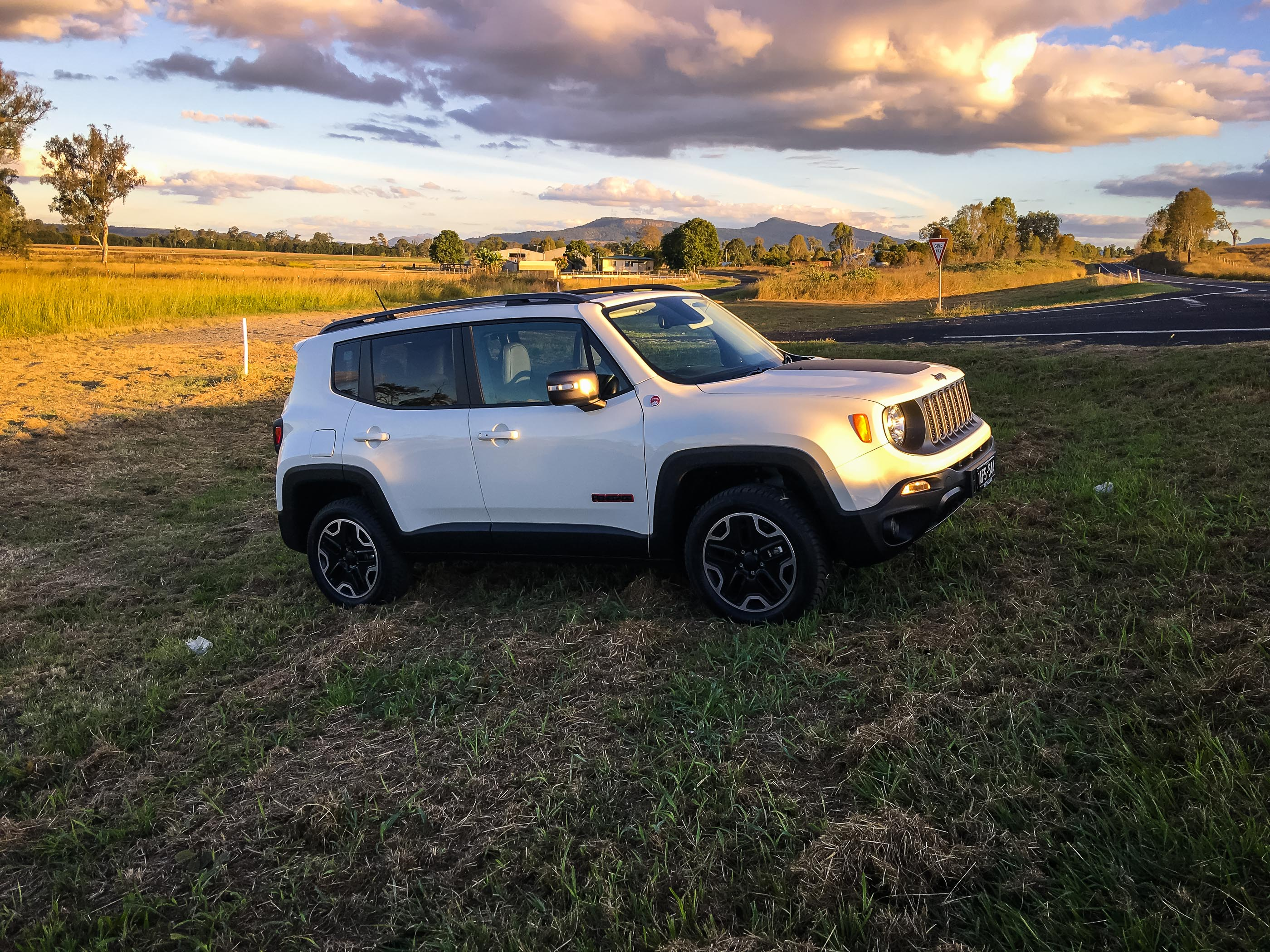 Jeep Renegade Models >> 2016 Jeep Renegade Trailhawk Review - photos | CarAdvice