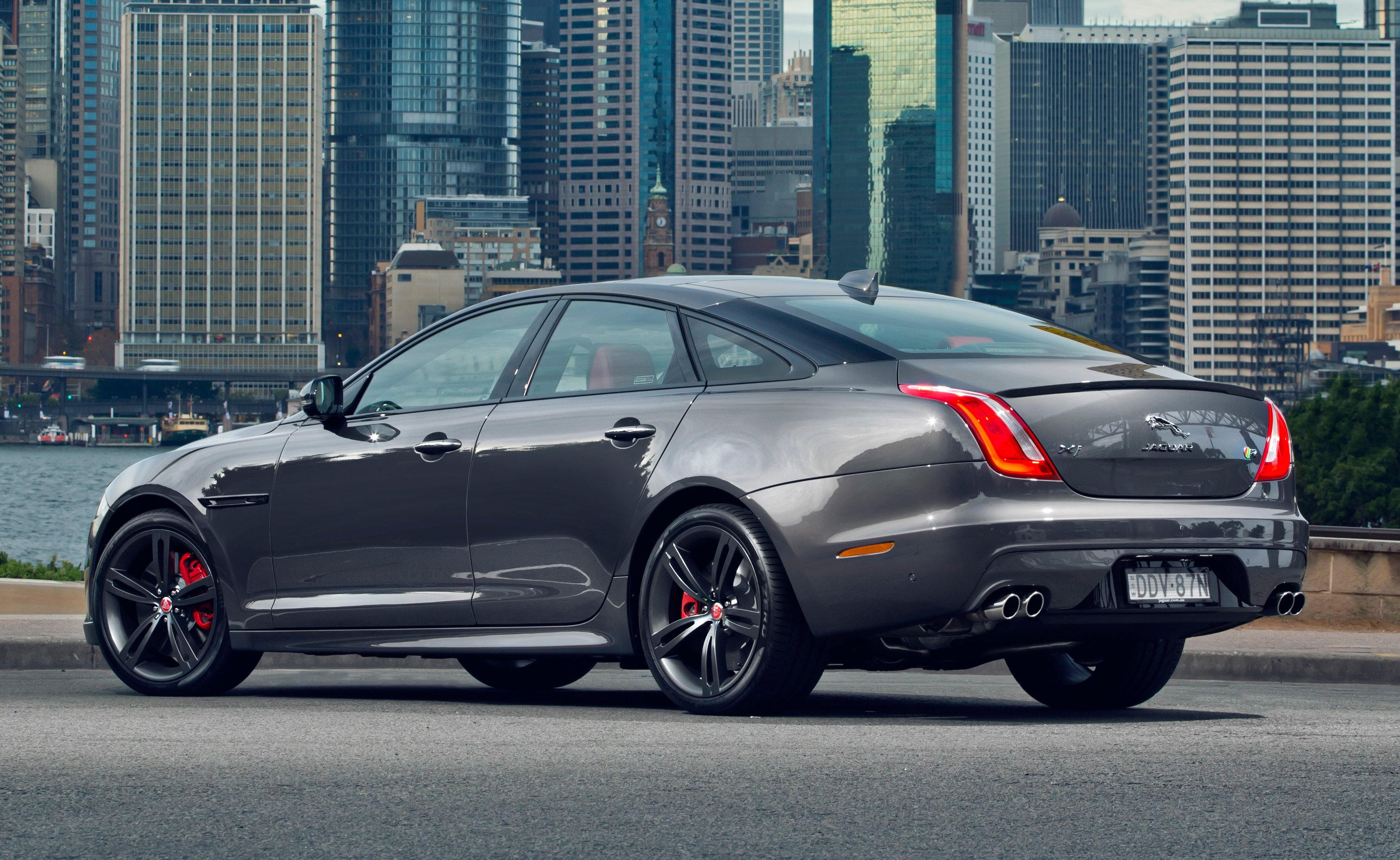 Sports Cars Luxury >> 2016 Jaguar XJR Review | CarAdvice
