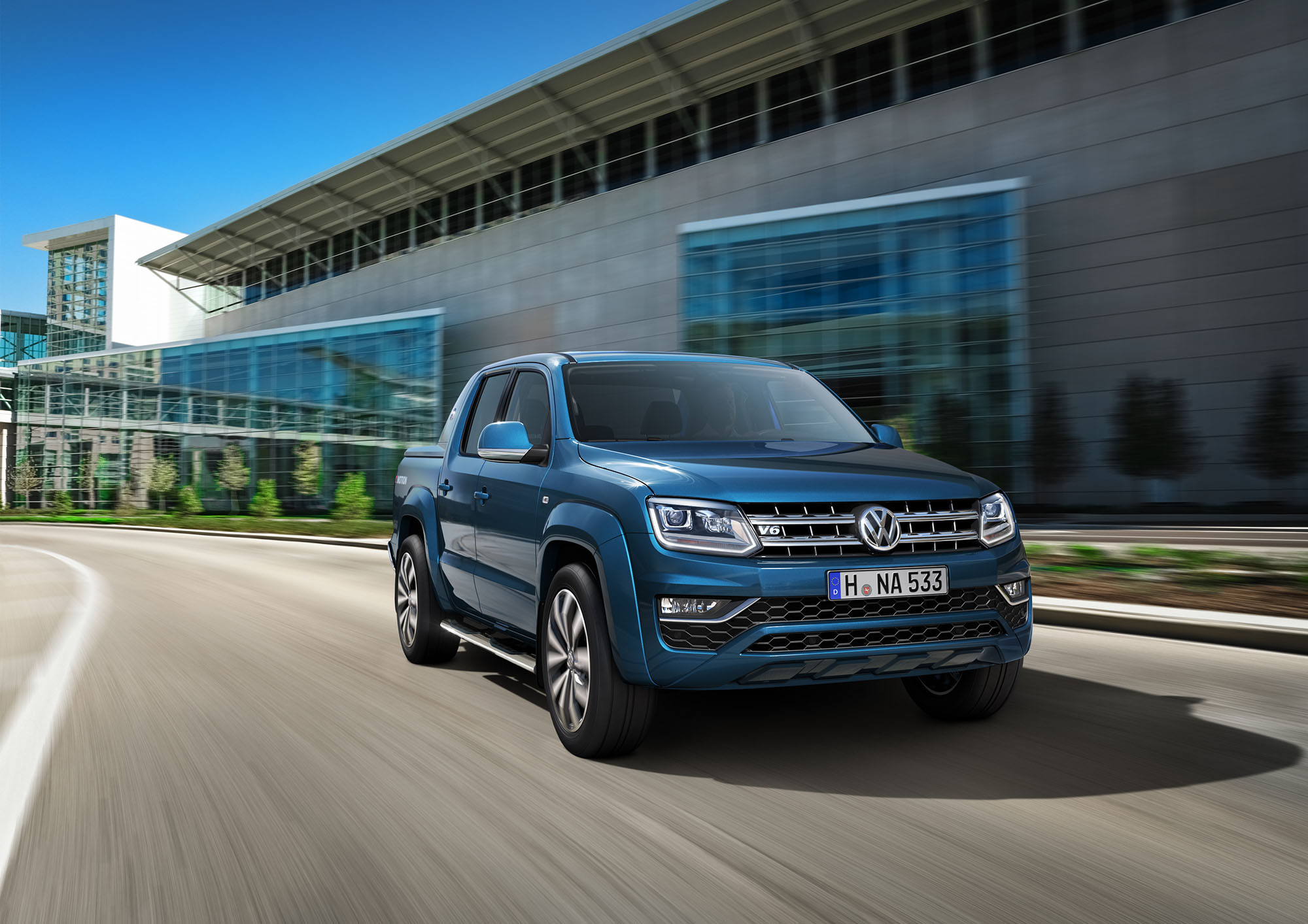 2017 Volkswagen Amarok reveals new-look interior - photos ...