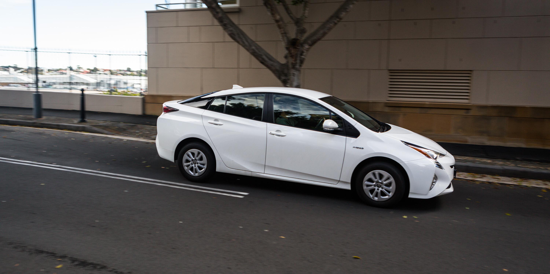 Toyota Corolla Hybrid v Toyota Prius Comparison - Photos
