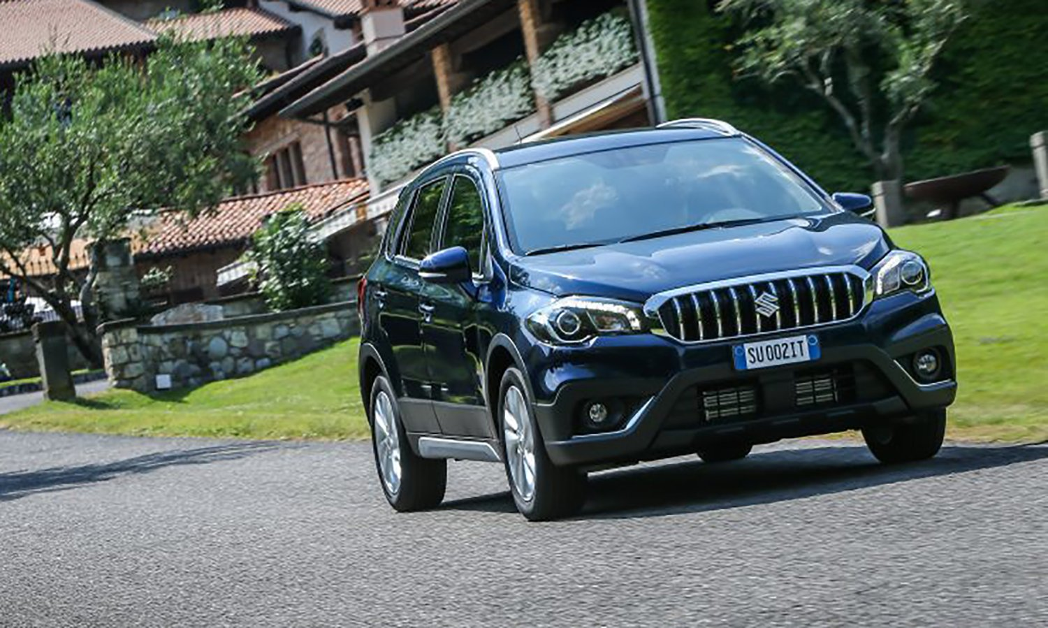 2017 suzuki s cross facelift revealed ahead of paris debut. Black Bedroom Furniture Sets. Home Design Ideas