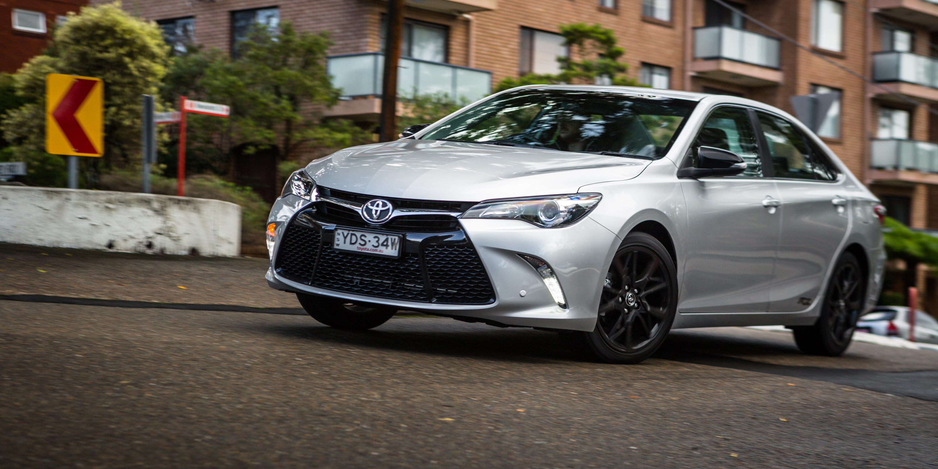 2016 Toyota Camry RZ Review - photos | CarAdvice