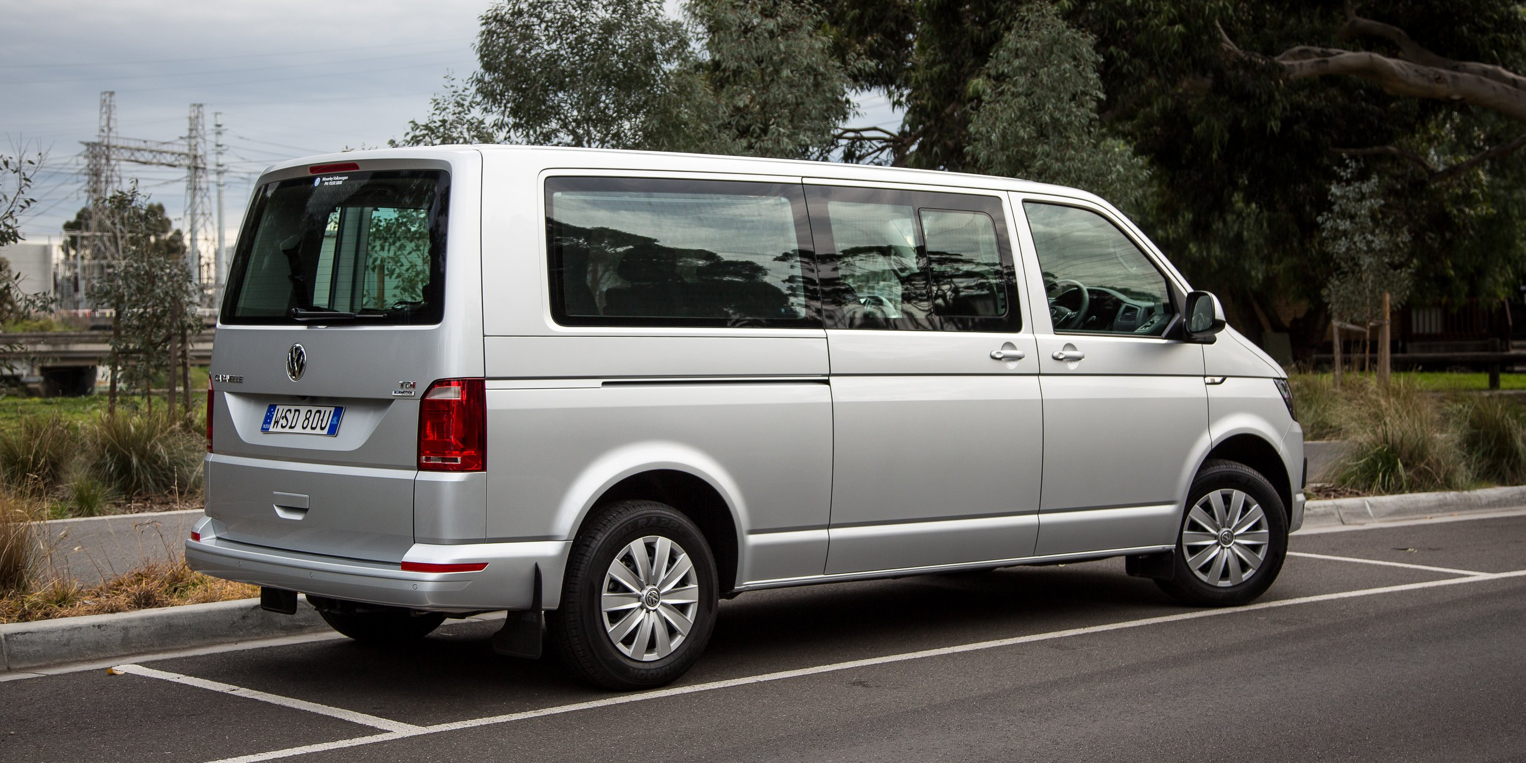 2016 Volkswagen Caravelle Review - photos | CarAdvice