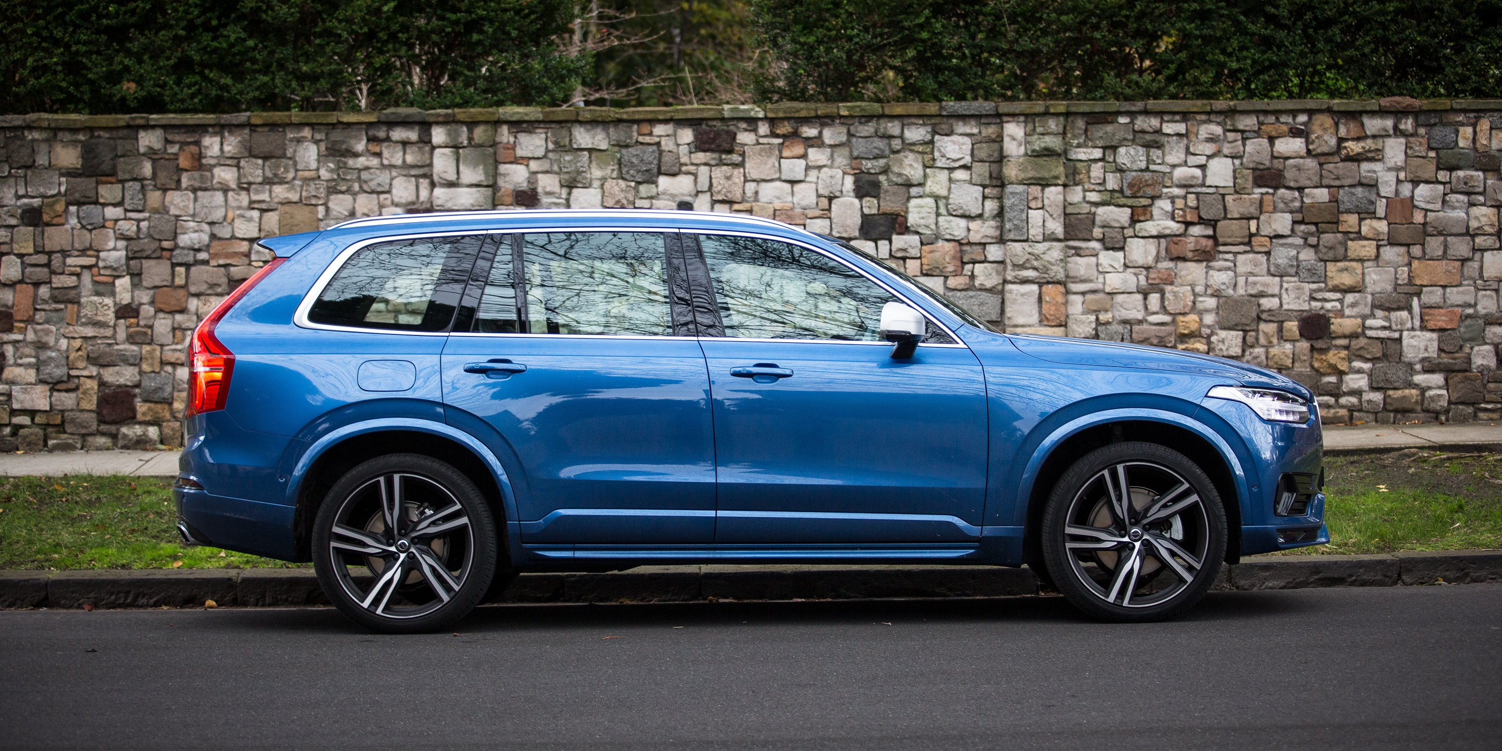 2016 volvo xc90 t6 r design review long term report two photos caradvice. Black Bedroom Furniture Sets. Home Design Ideas