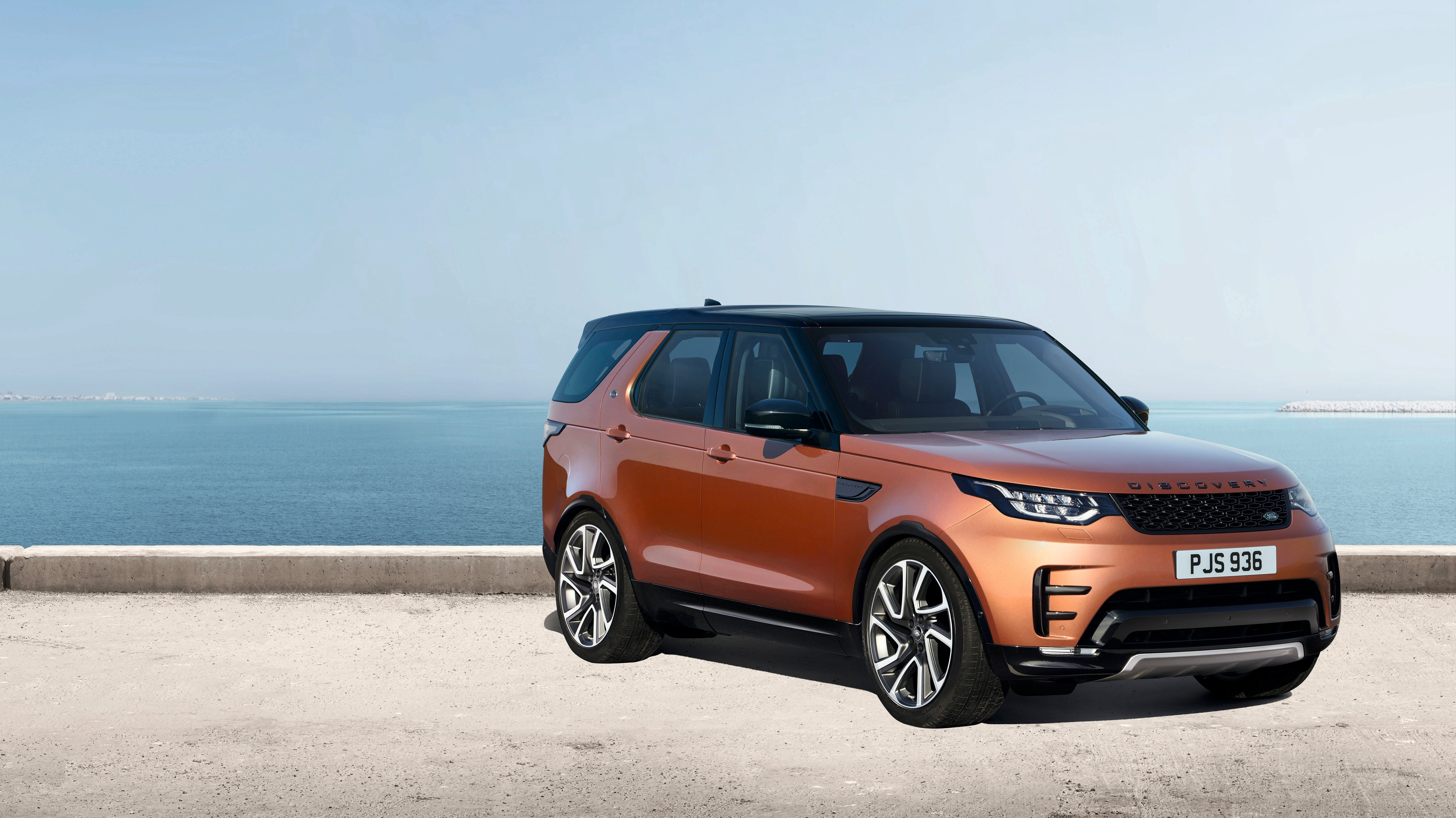 2017 land rover discovery revealed in paris full details on big new family suv photos caradvice. Black Bedroom Furniture Sets. Home Design Ideas