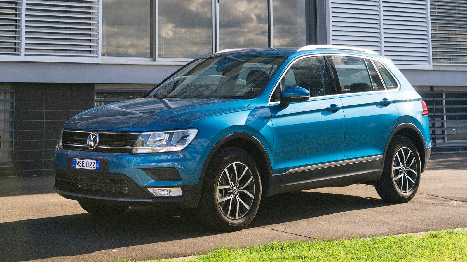 volkswagen tiguan frankfurt 2018 dodge reviews. Black Bedroom Furniture Sets. Home Design Ideas