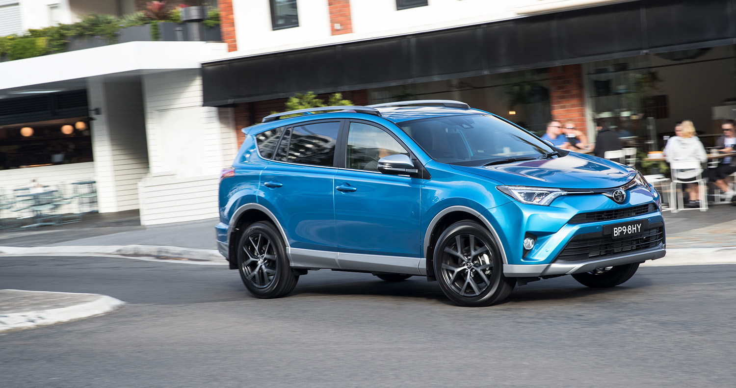 2017 toyota rav4 pricing and specs more equipment and safety for updated suv update photos. Black Bedroom Furniture Sets. Home Design Ideas